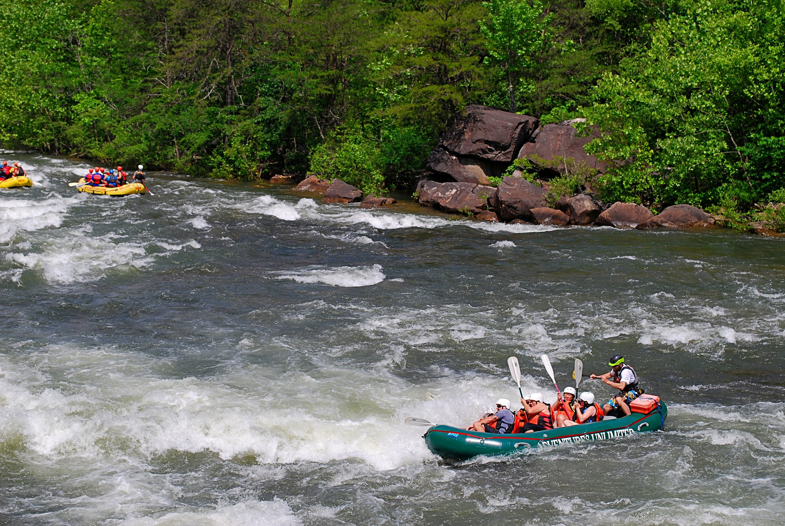 Rafters negotiate rapids on the Ocoee River. Photo: Bob Butters