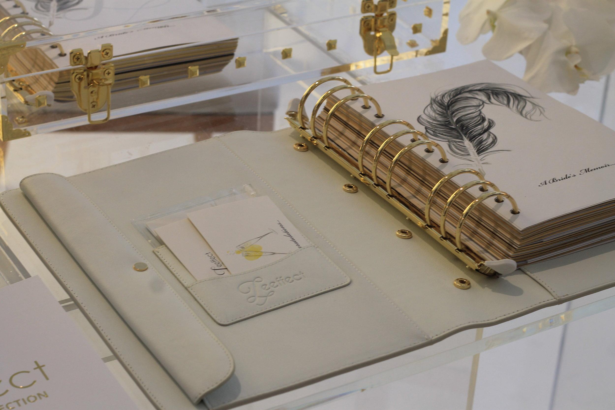 Le produit phare du salon - Leffect collection, une marque de papeterie de luxe qui a créé le premier recueil de mariages.