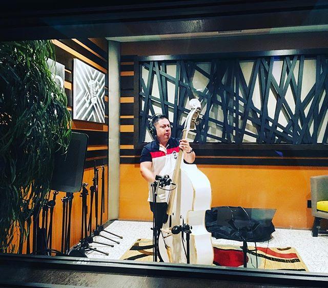 Grabando temas nuevos. Esperando y sean de su agrado. #brindemosporellas versión studio. #bandaytololoche #sucompaeljosi