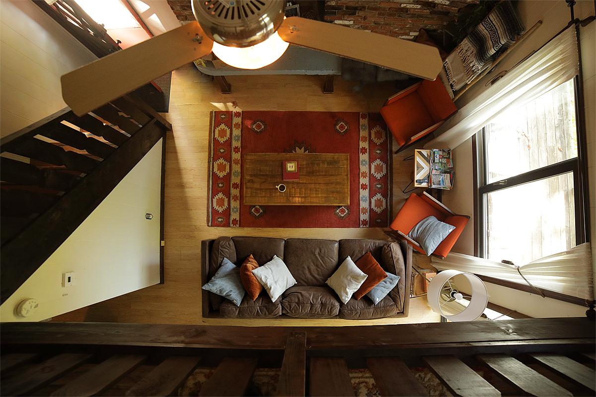 Cabin02a.jpg