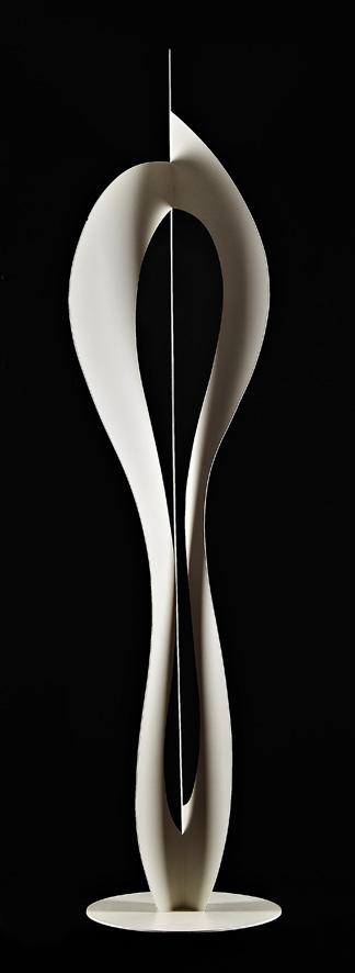 AR 0687 - Paulo de Tarso  - 188 x 45 x 45 -  Relevo em aço Carbono Pintado de Branco.jpg