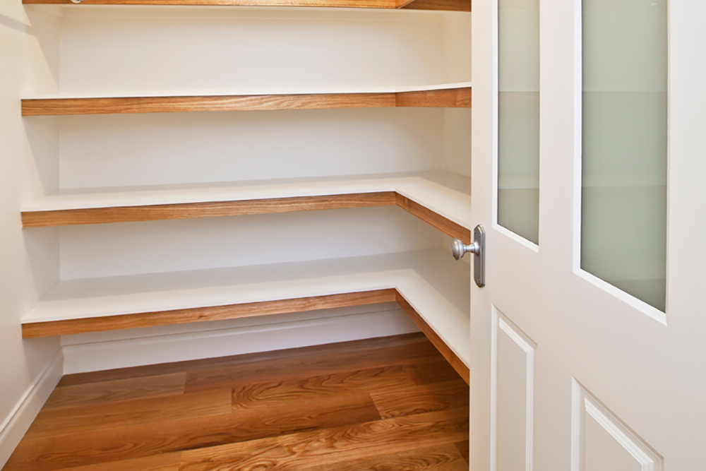 Plenty-of-cupboard-space.jpg