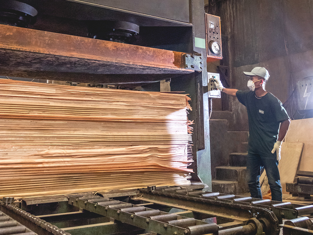 Muroco have been providing high-quality wood panel products since 1973 and continue to strive until today.