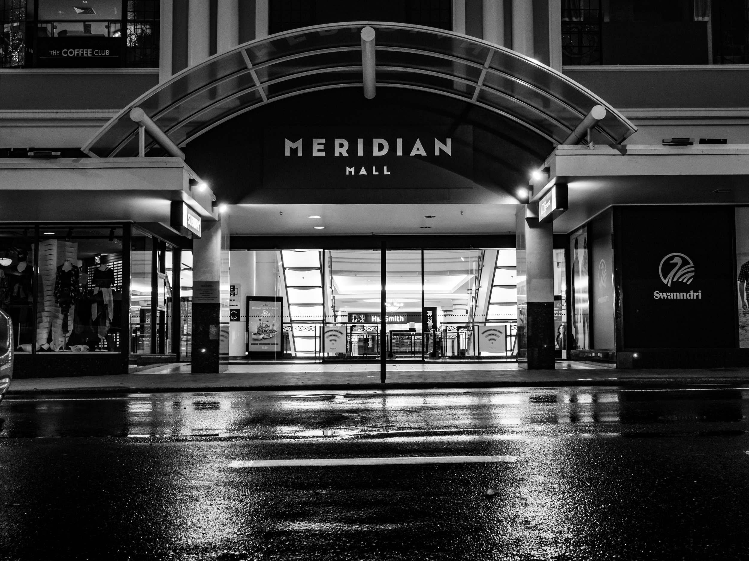 meridian entrance dunedin in black and white
