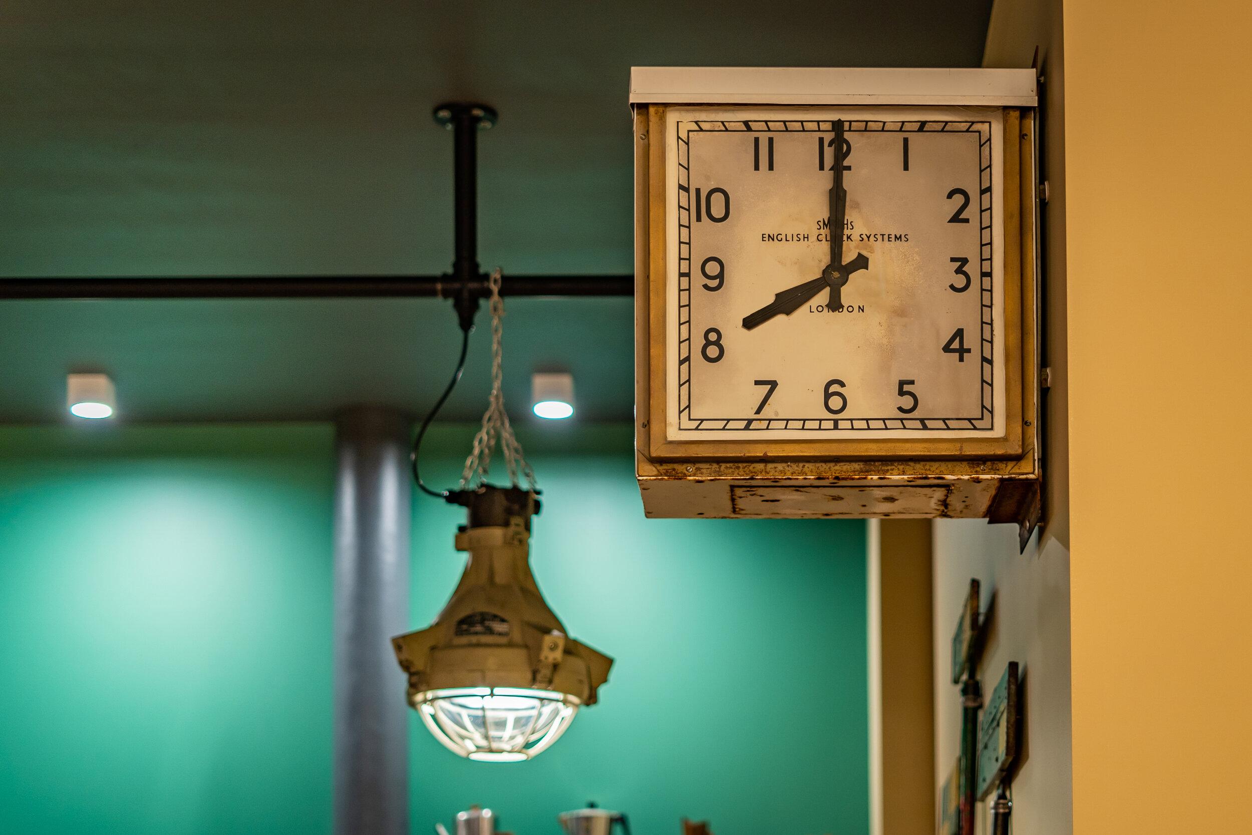 _DSC8739 - 8 O'Clock.jpg