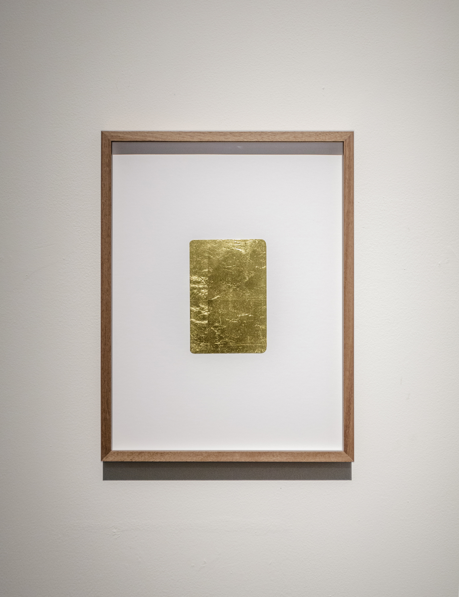 Stéphanie Saadé  Golden Memories 2015-2019 Old photograph, 24-carat gold leaf 15 x 10 cm A photograph from the artist's childhood is covered with gold leaf. The past memory is no longer accessible, but now mirrors the present reality