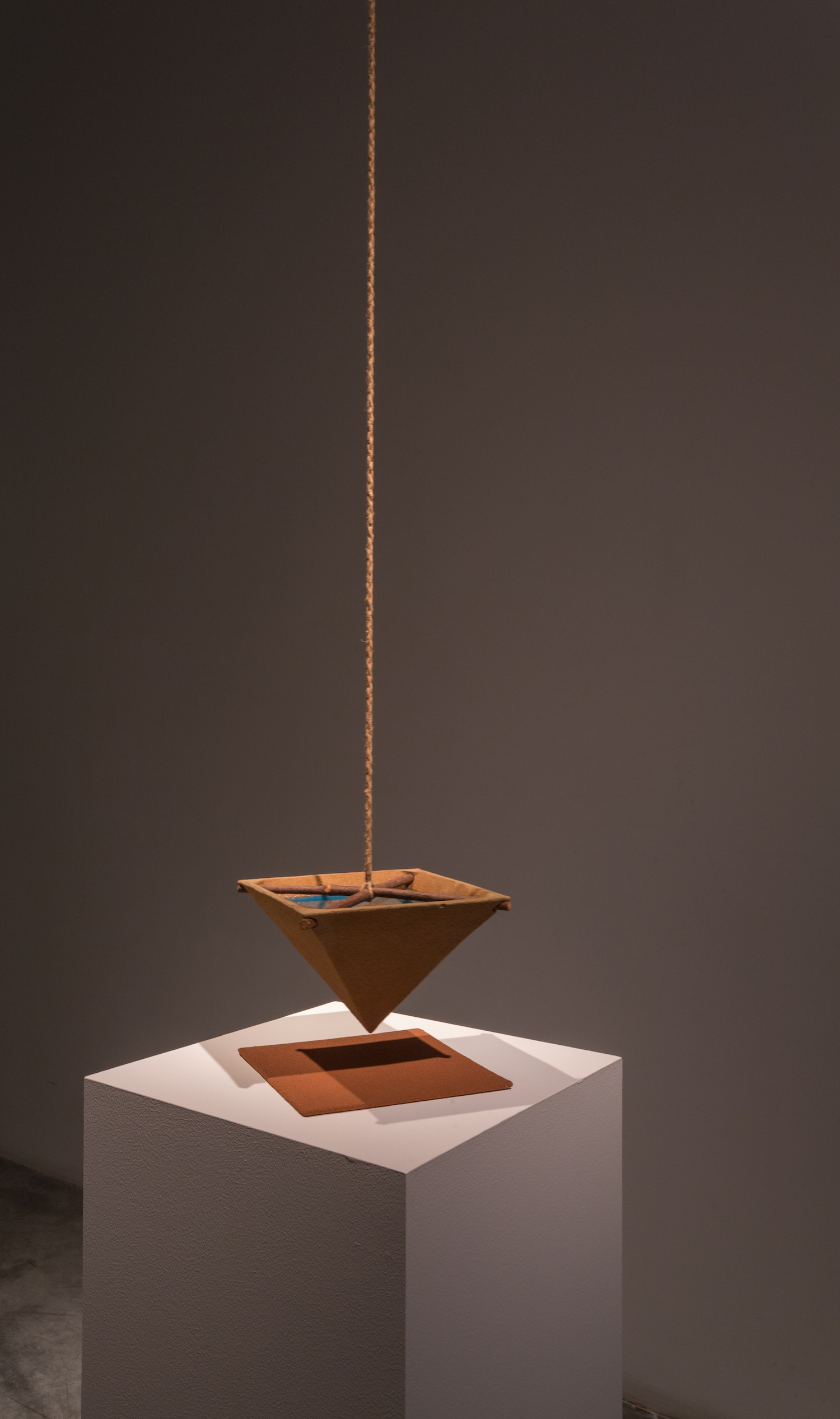 Suspended Water Level 1982 Ceramic, wood, rope, water, wood and red sand 21.5 x 21.5 x 34 cm