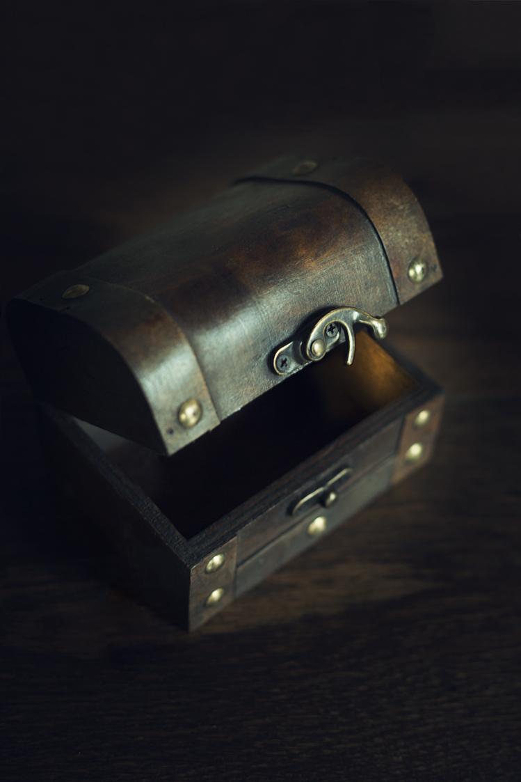treasure chest anna roberts photography.jpg