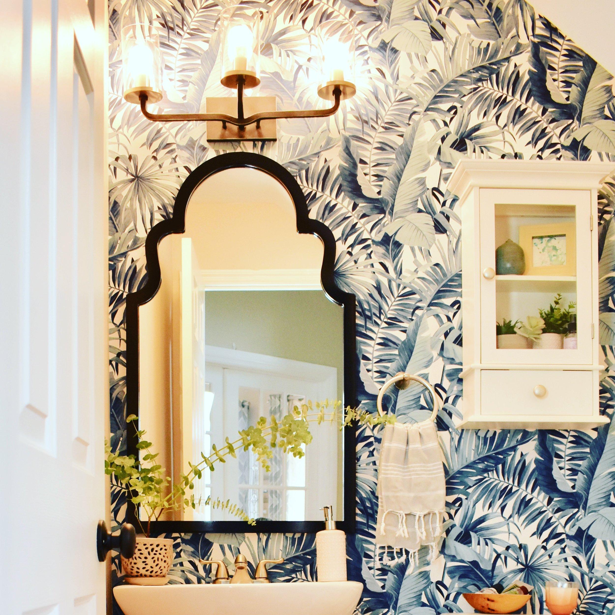 palm leaf wallpaper bathroom.JPG
