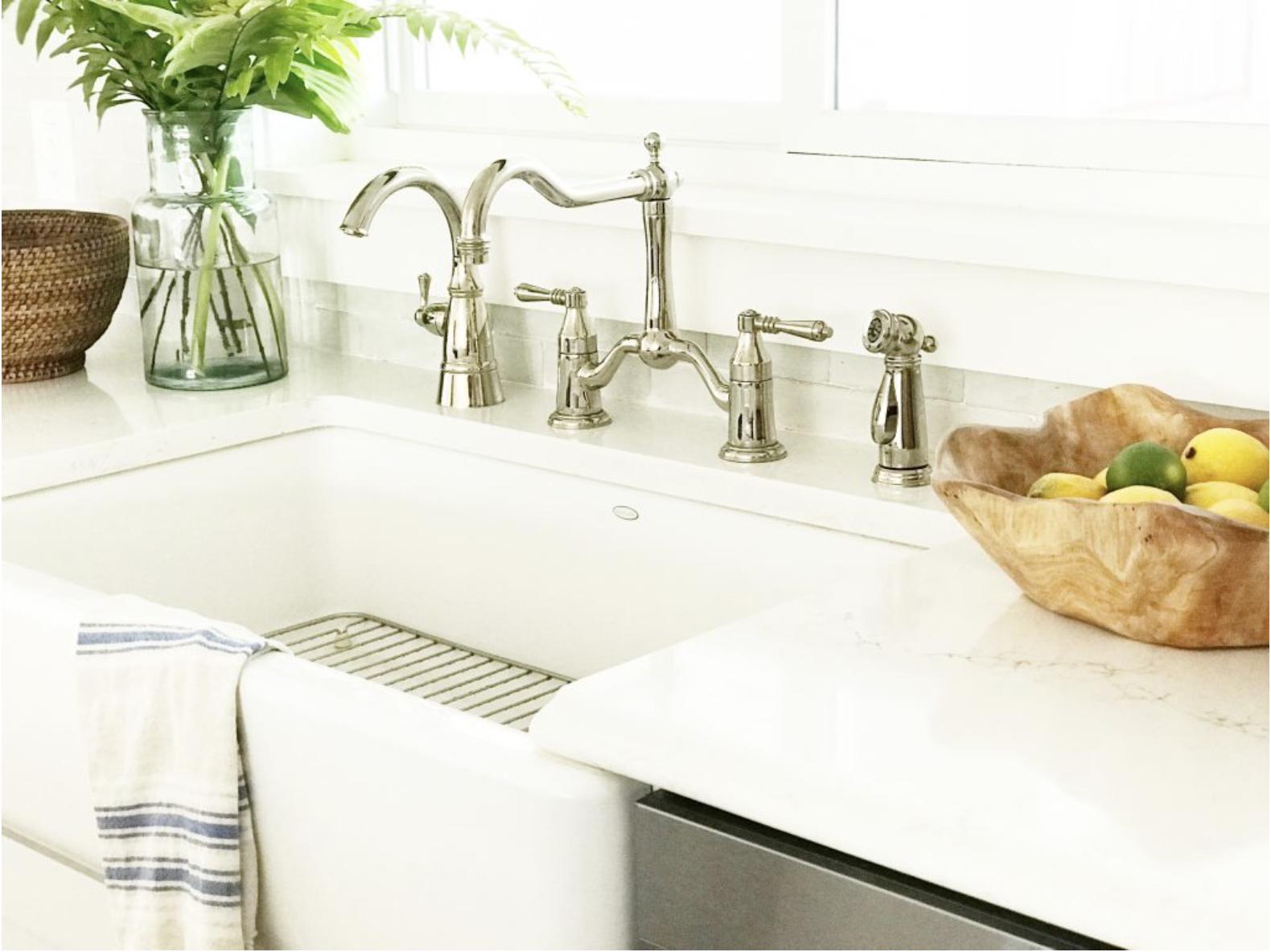 white kitchen sink.png