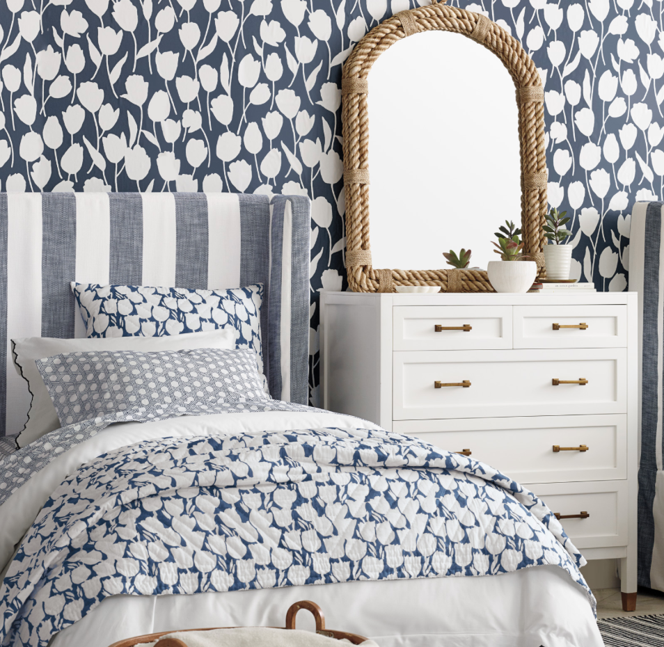 COASTAL COTTAGE LOOK WITH WALLPAPER - NAVY AND WHITE
