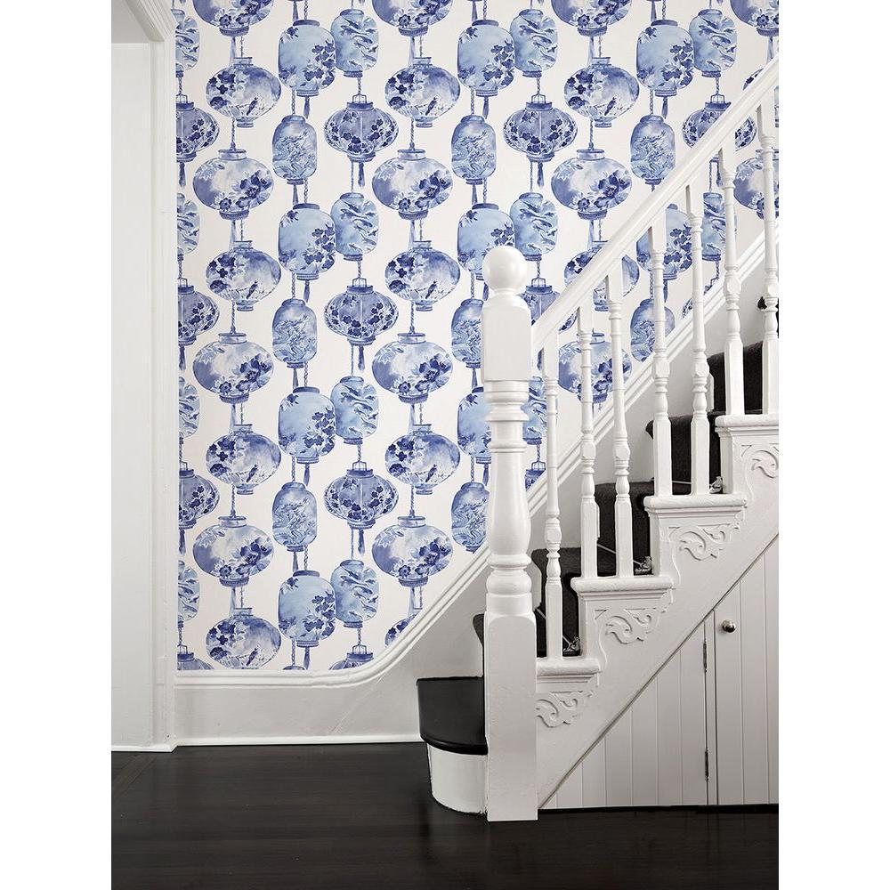 chinoisserie lantern wallpaper in blue