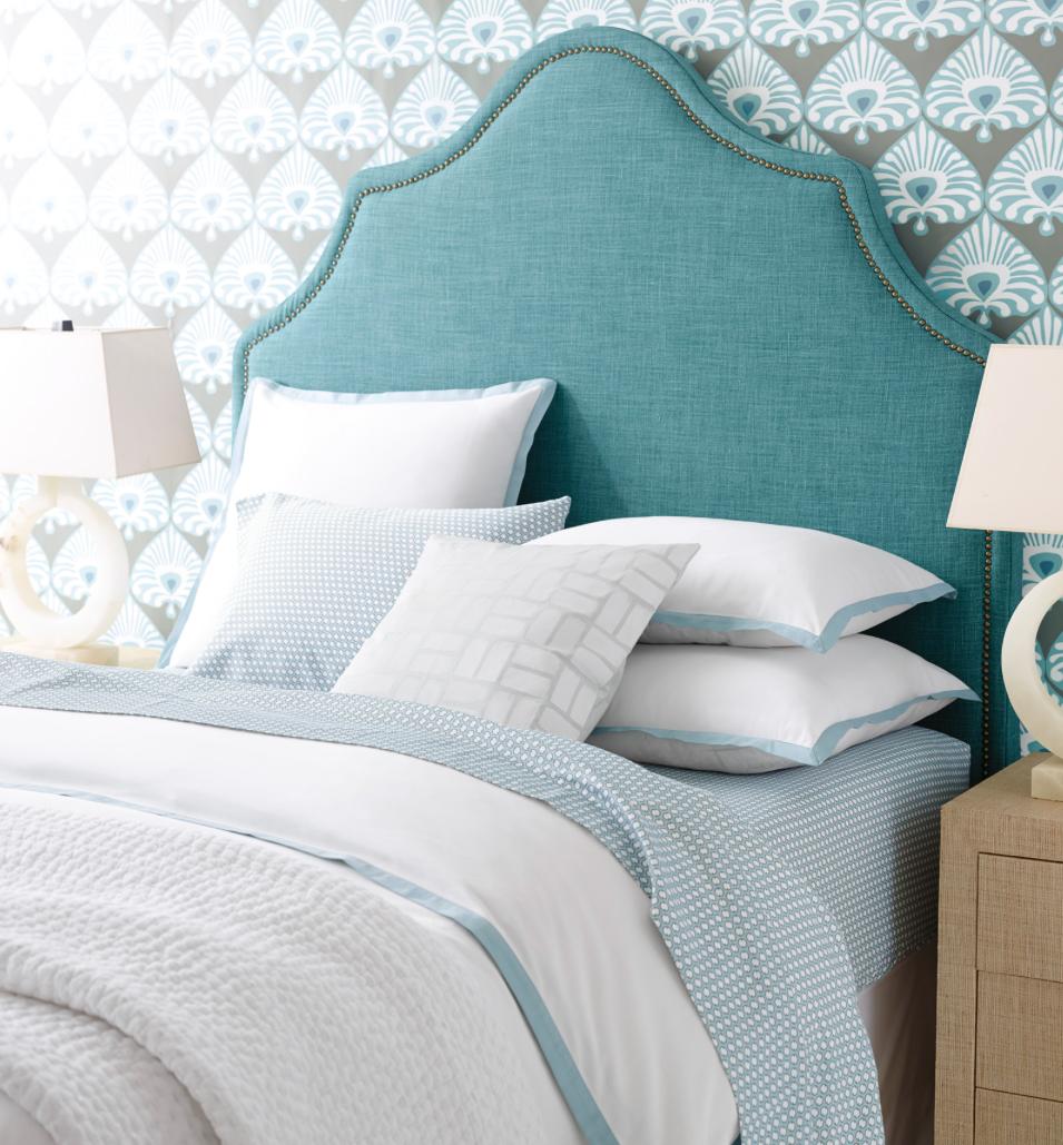 peaceful blue bedroom decor