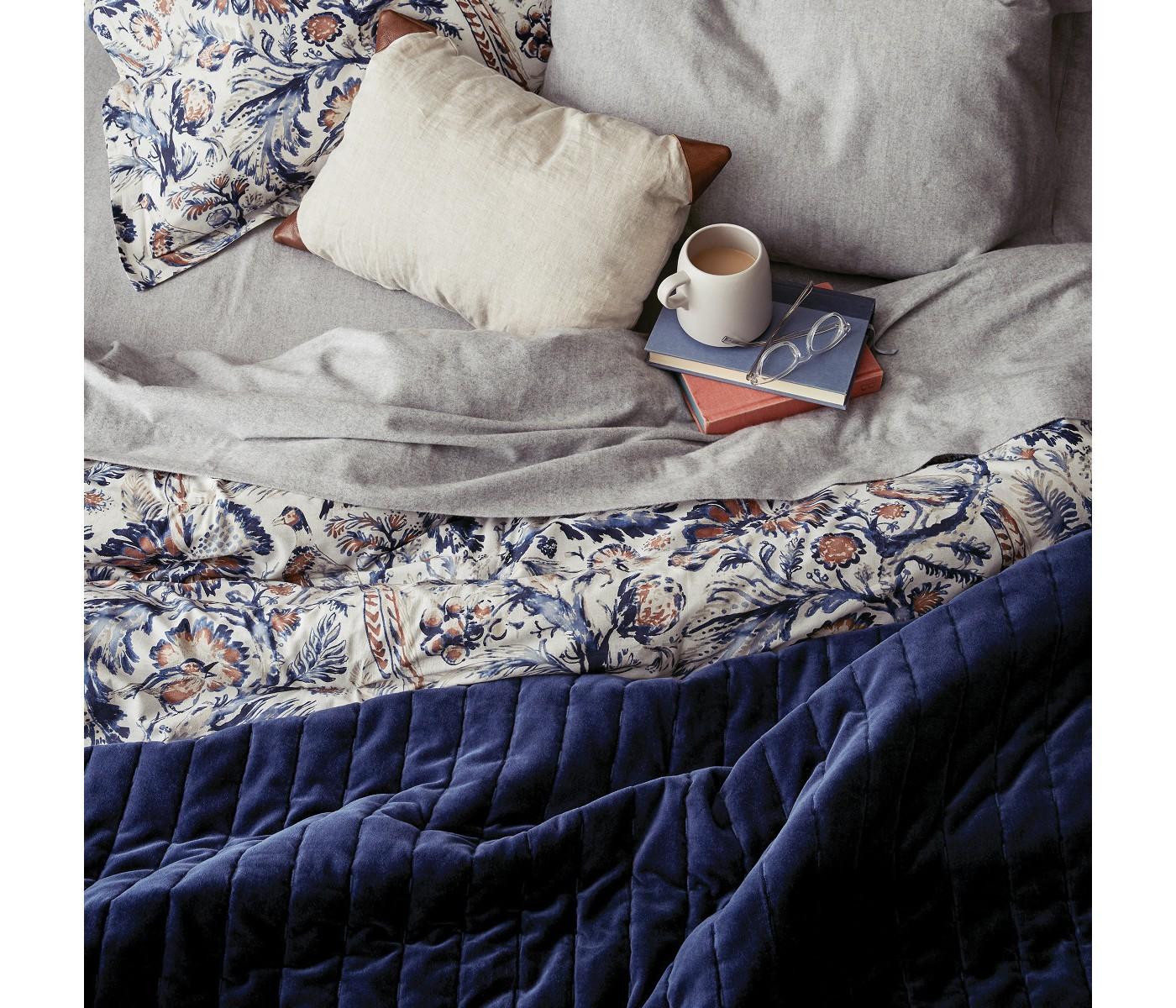 navy blue bedroom decor