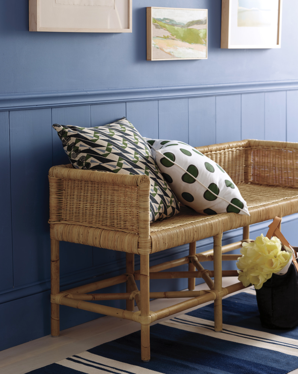 cottage entryway gets cozy with these green accent pillows for fall