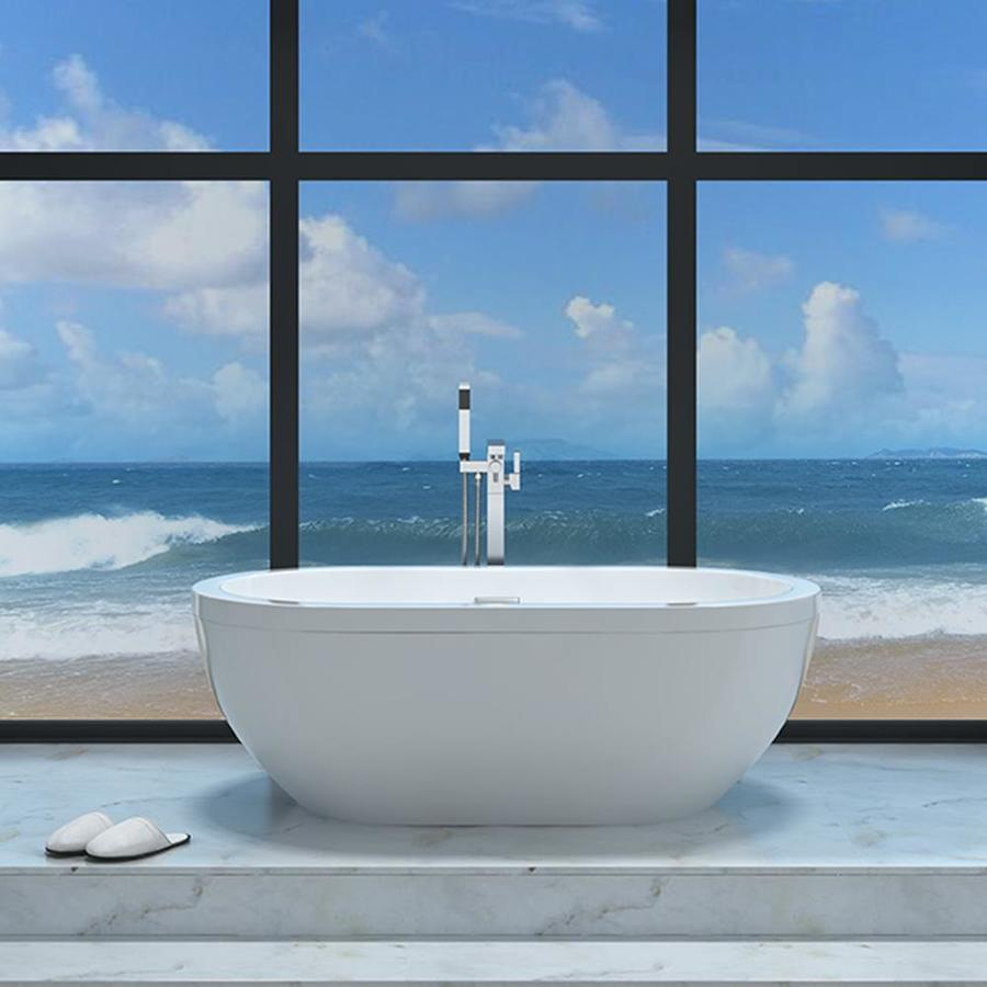 love this modern bathroom with this freestanding tub