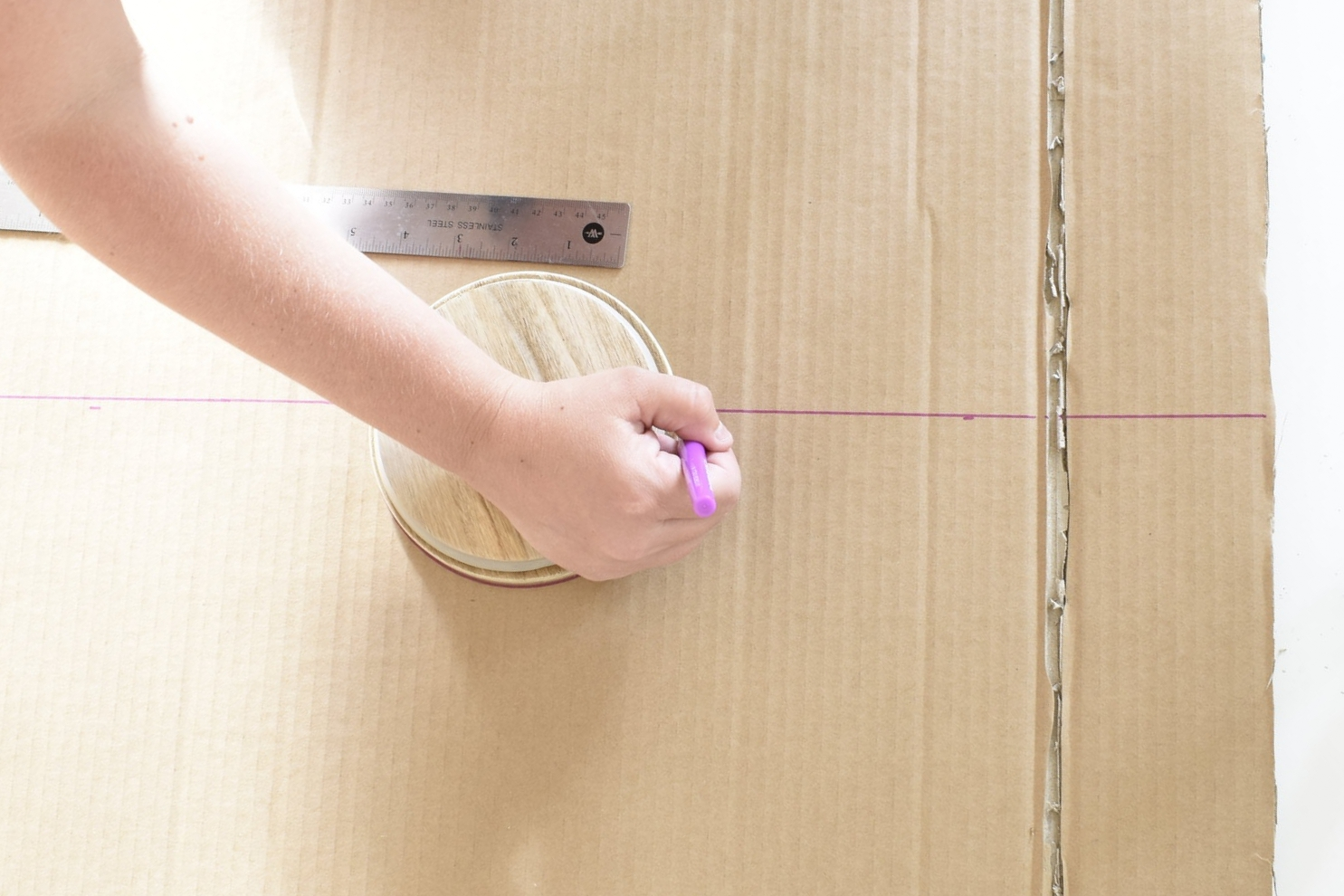 how to measure and outline for an arch - diy cornice board