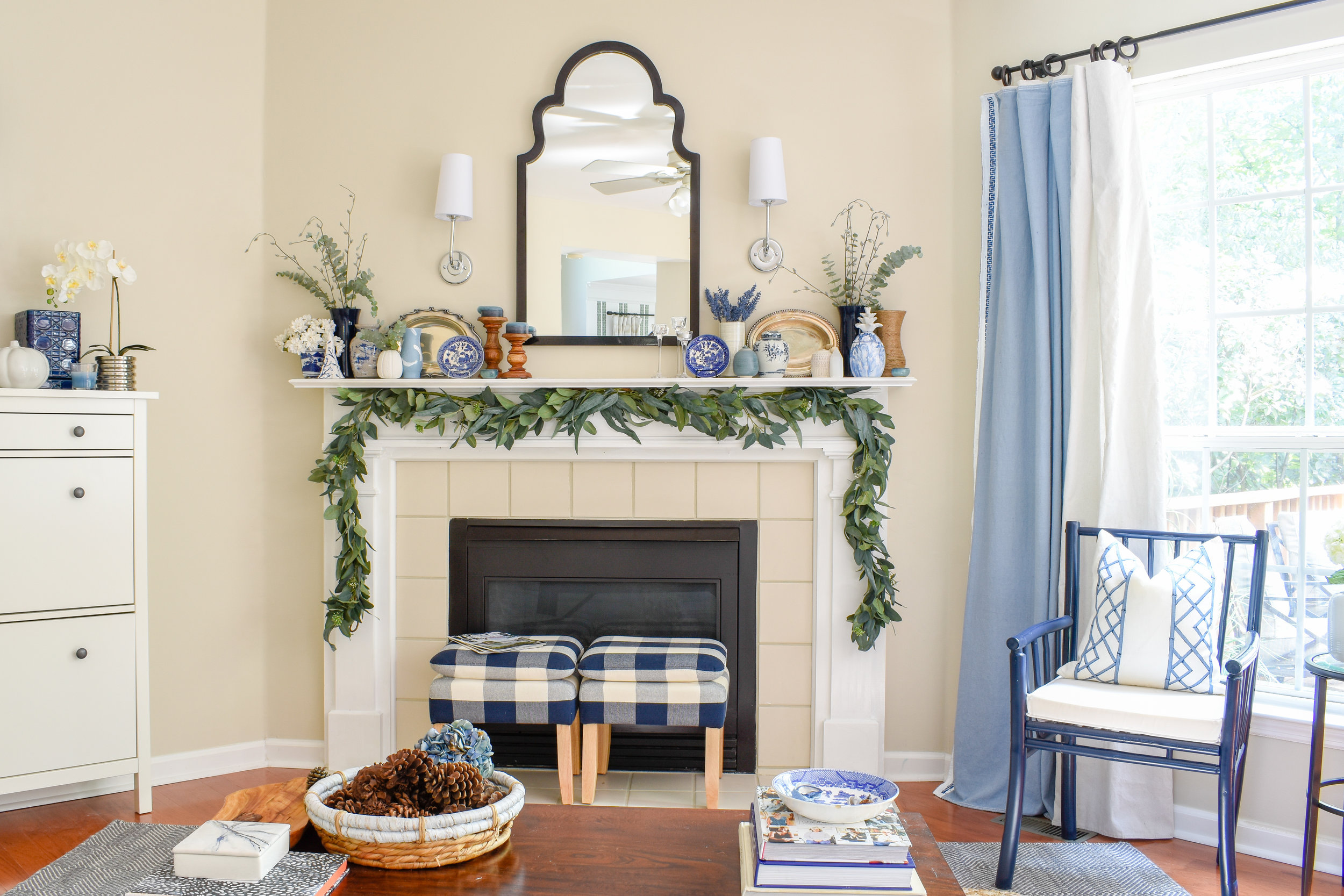 traditional living room mantel display - transitional style