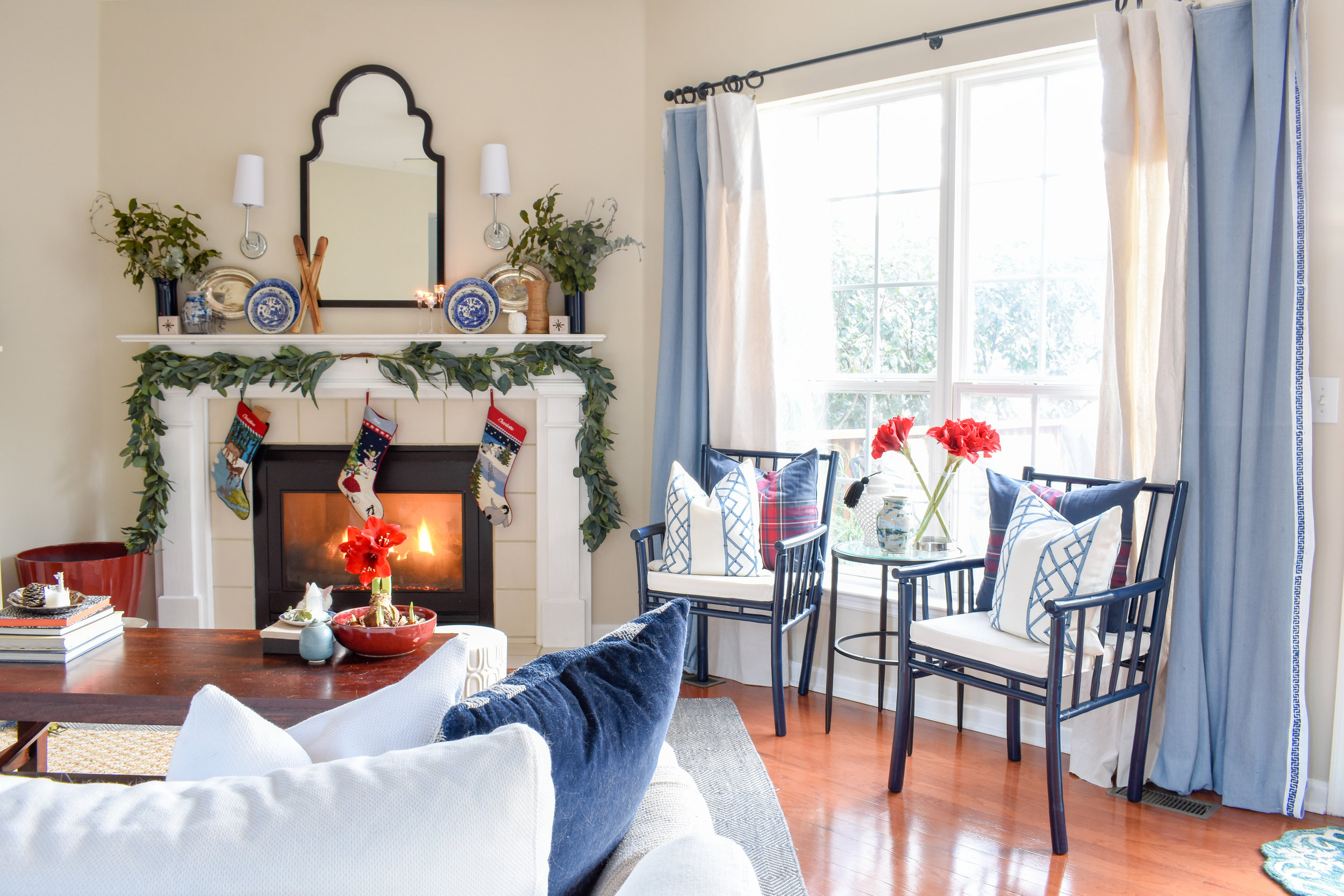 Updating my blue and white living room for Christmas/Winter. I've added seasonal touches to enhance and not detract from my chinoiserie and blue willow collection.