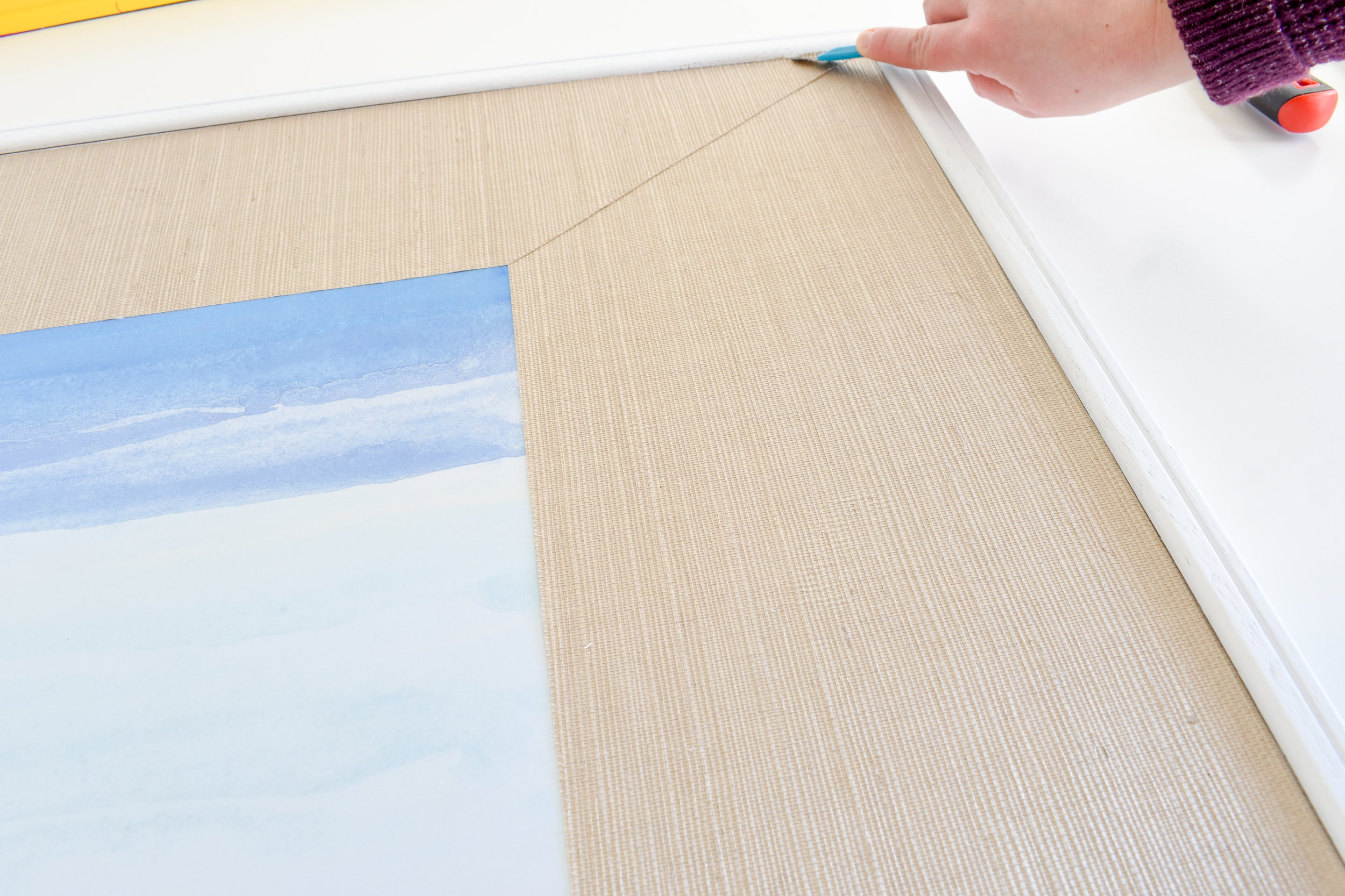 DIY Picture Matting How To Make Custom Grasscloth Picture Mats with Wallpaper Scraps   Wallpaper Leftovers Ideas