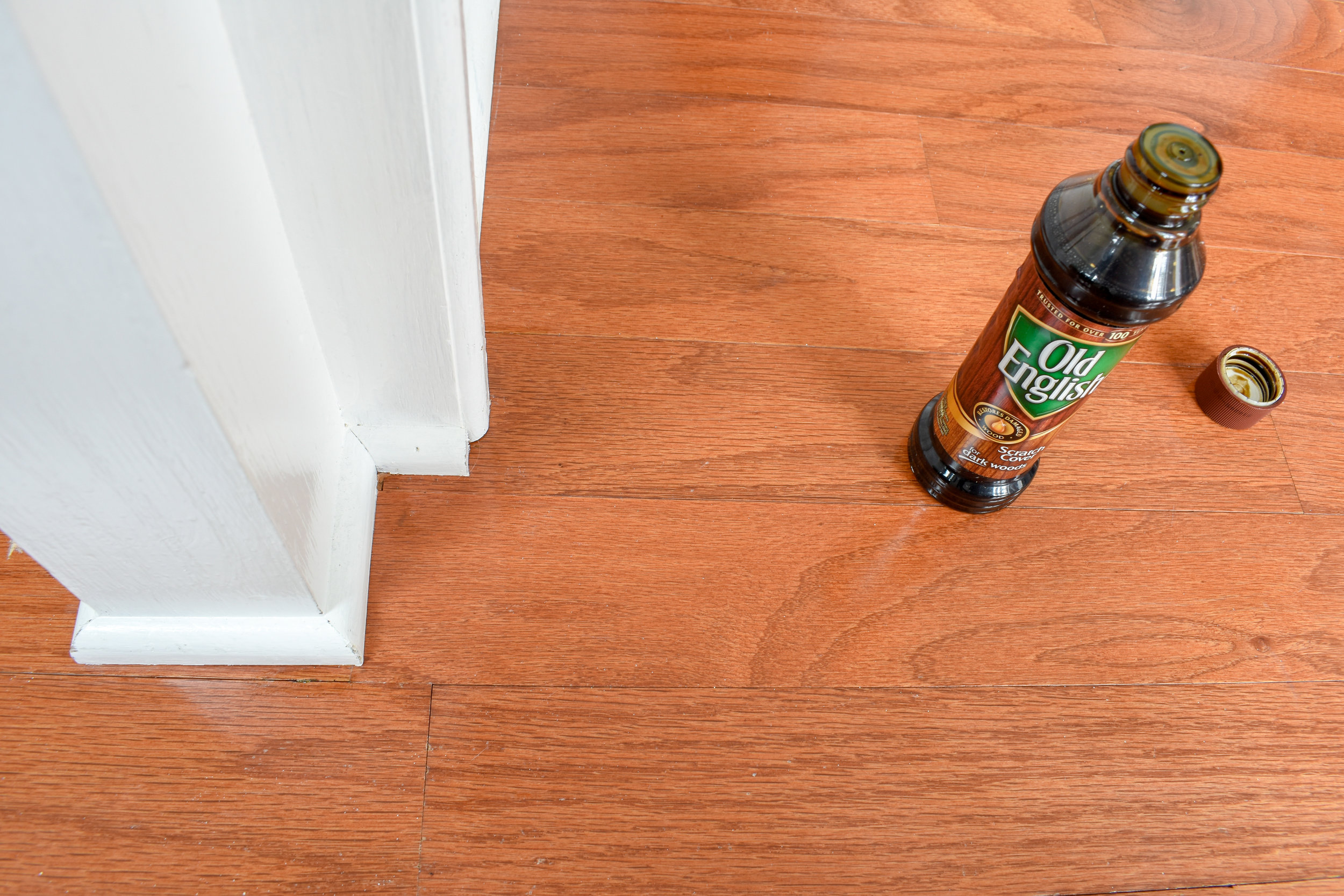 quick method for hardwood flooring repairs and polishing