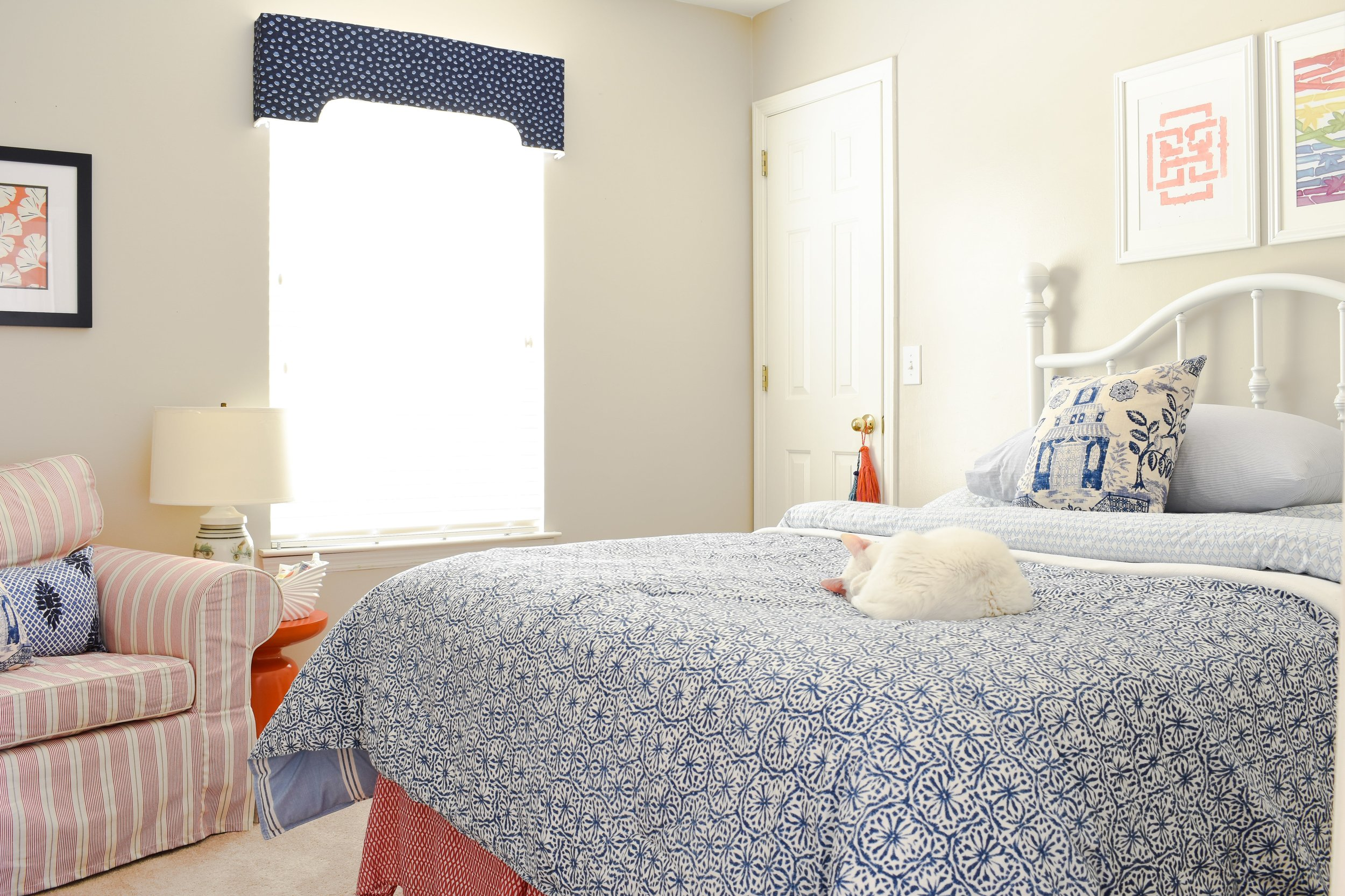 small and colorful bedroom ideas
