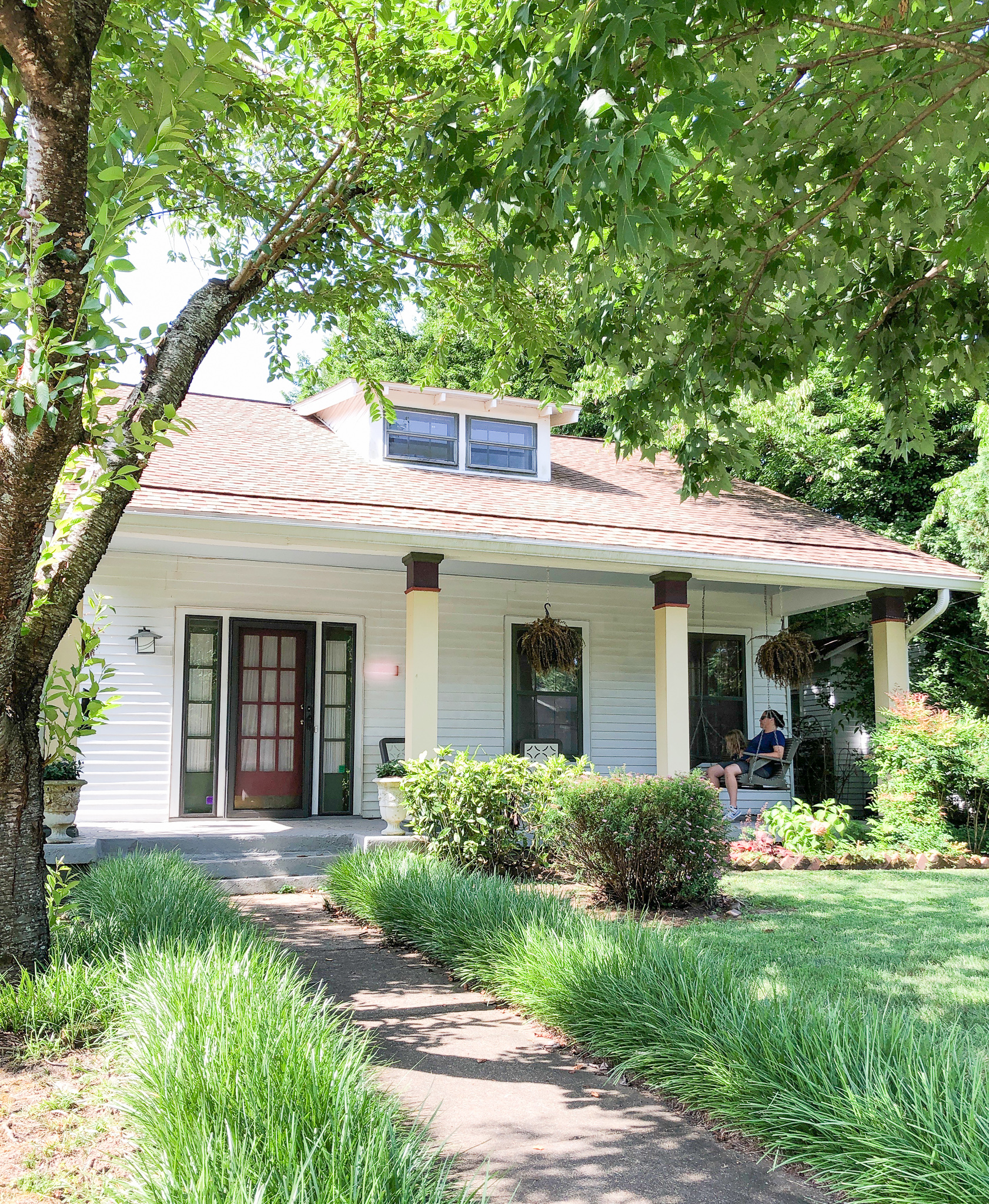 What Is A California Bungalow? Explaining our 1920s bungalow's architectural style and why most homes you think are Craftsman style are most likely California Bungalow! #historichomes #homerestoration #bungalows