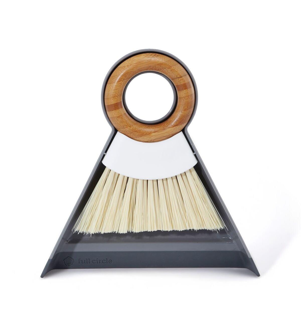 mini broom and dustpan