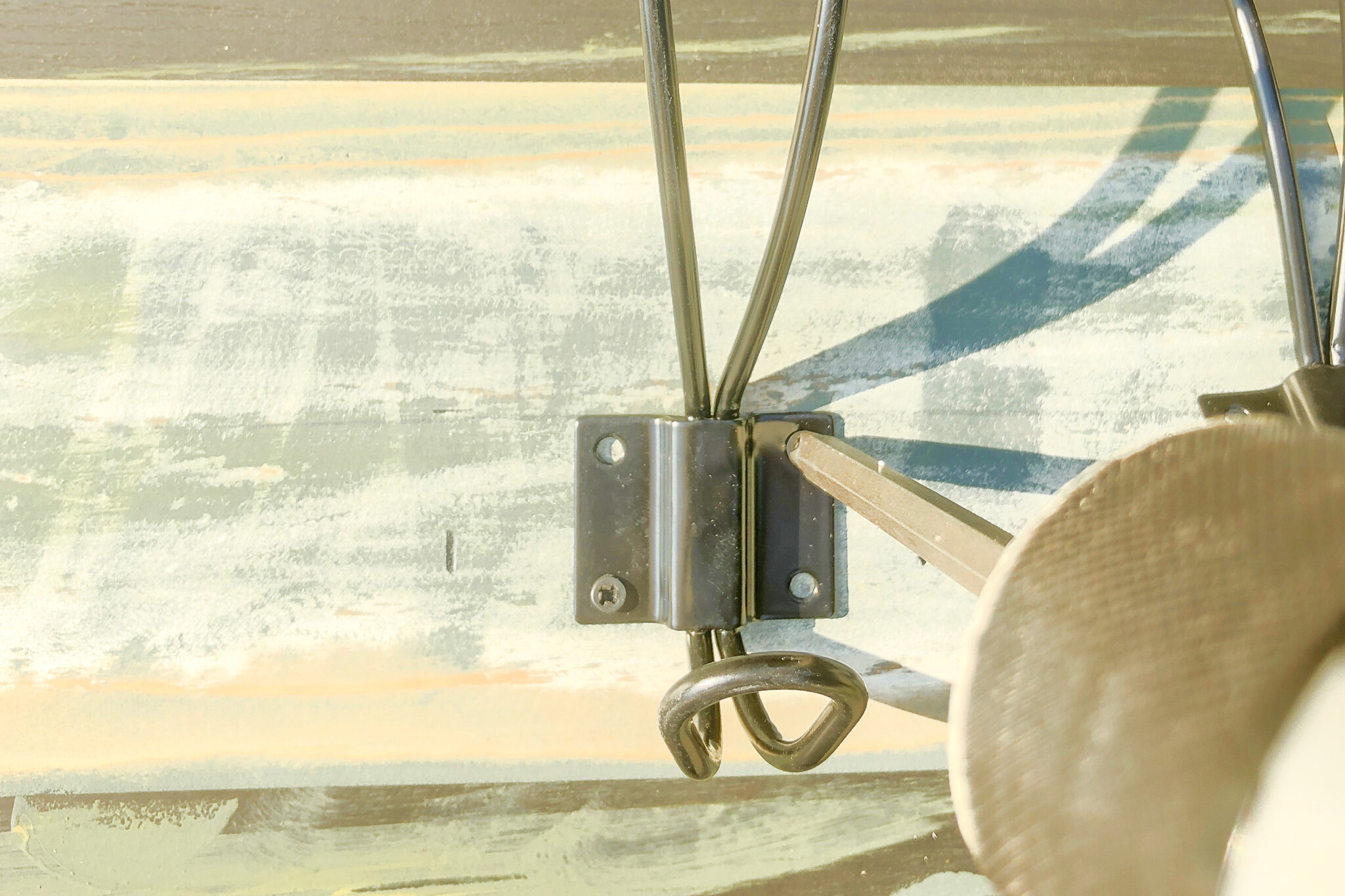 how to build a rustic wood board with wall hooks