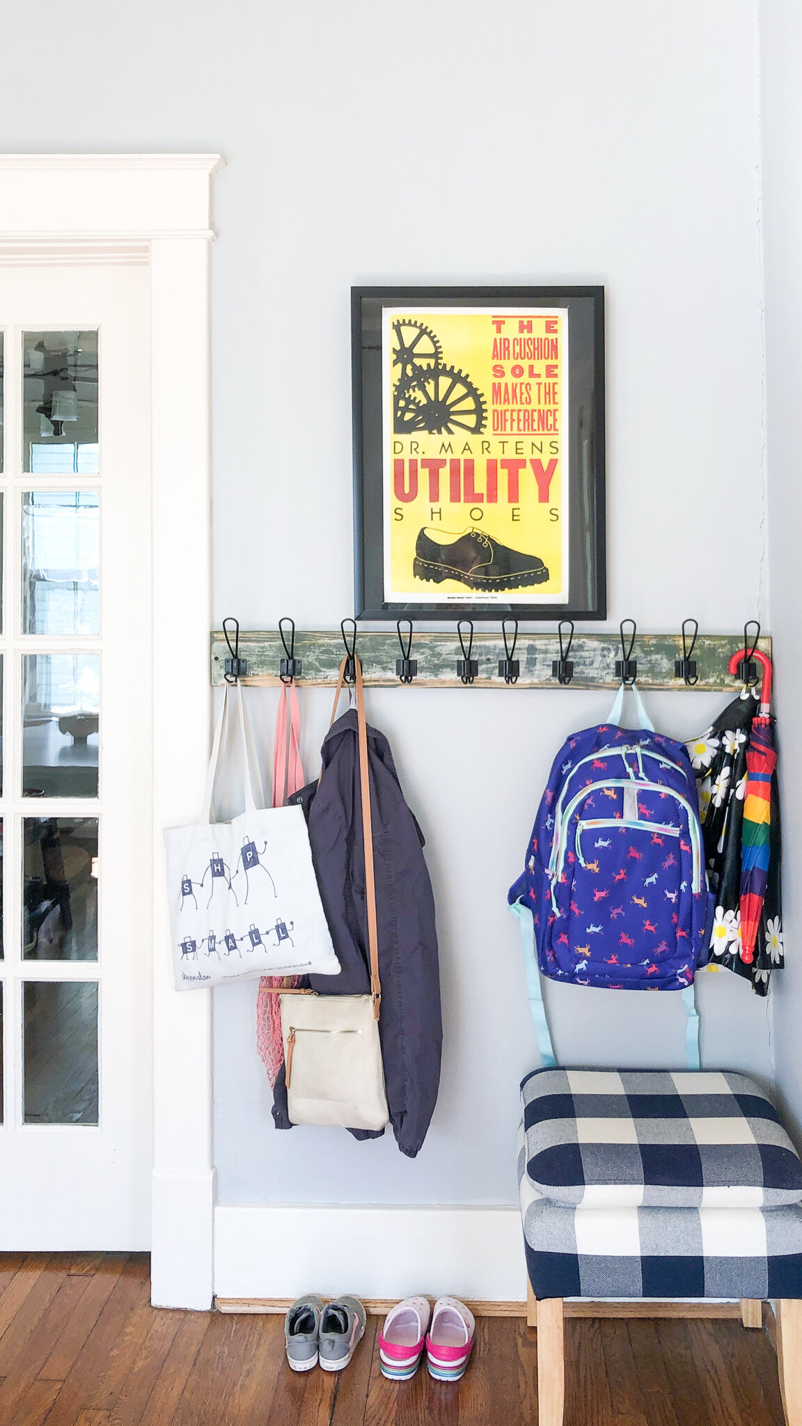 Easy Home Updates for Fall - We added a mini-mudroom by our front door to store our outerwear for the coming chilly weather. #diyhome #mudroom #storageideas #organizationdiy #bungalowstyle #schoolhouseliving