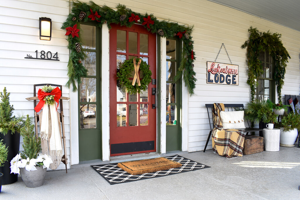 Tennessee Christmas Cozy Log Cabin Front Porch Decor T Moore Home Design Diy And Affordable Decorating Ideas