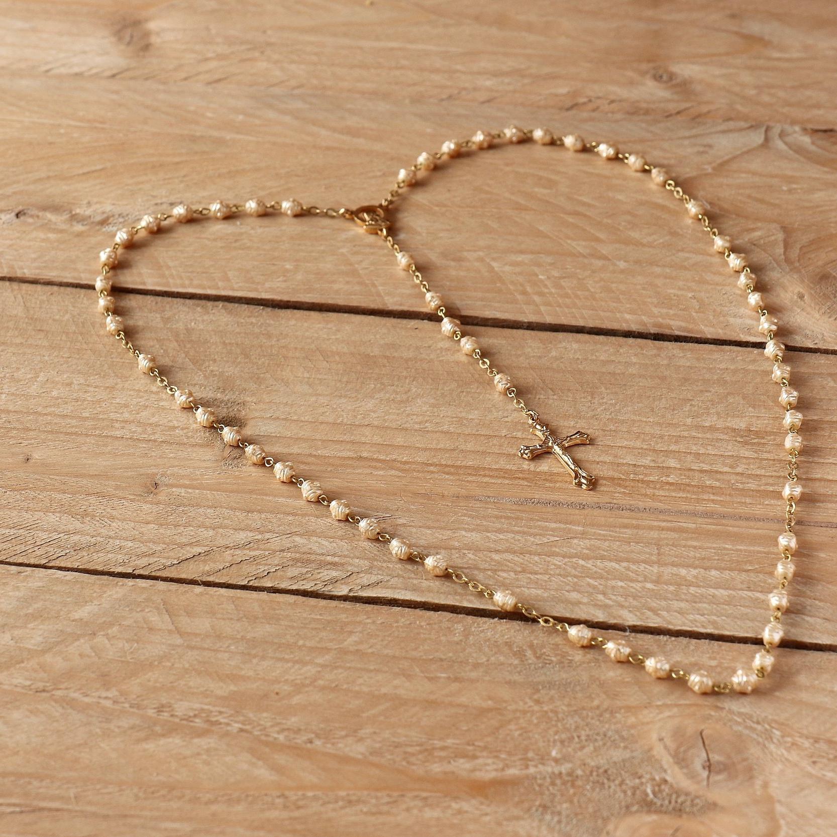 beads-cross-prayer-236336.jpg