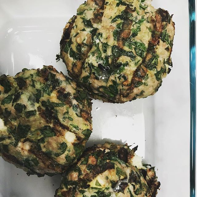 Spinach burgers with turkey, feta and lemon zest. #veggiesfirst #privatechef