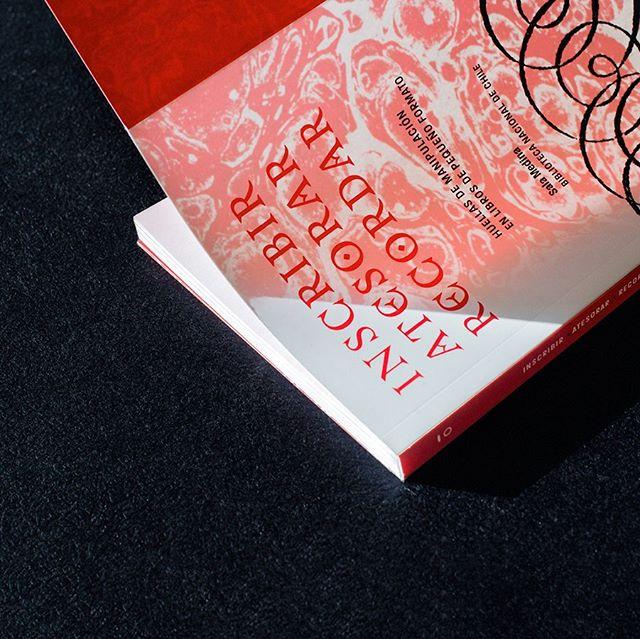 """ohayō! 🎐 Hoy lanzamiento de nuestra nueva publicación """"Inscribir/ Atesorar/ Recordar. Huellas de manipulación en libros de pequeño formato."""" Partimos a las 17:30 (open 17hrs) En el primer encuentro MOTOR 🐈 - Nueva los leones 52, Providencia.  ven a compartir energías creativas :-) #encuentromotor2019"""