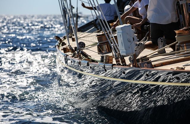 Coordinated teamwork relies on precision timing...⠀⠀⠀⠀⠀⠀⠀⠀⠀ .⠀⠀⠀⠀⠀⠀⠀⠀⠀ .⠀⠀⠀⠀⠀⠀⠀⠀⠀ .⠀⠀⠀⠀⠀⠀⠀⠀⠀ #progeny #sailing #yachting #ocean #progenywatches #family #watchoftheday #watchesofinstagram #kidswatch #kidsfashion #kidsofinstagram #family #instakids #kidsgifts  #kidstyle #minifashionista #kidstrends #instagood #photooftheday  #watches #instawatch #watchaddict #luxury #timepiece #fashionkids #kidsofinstagram #stylishteen #stylishkids #teenfashion #teenmodel