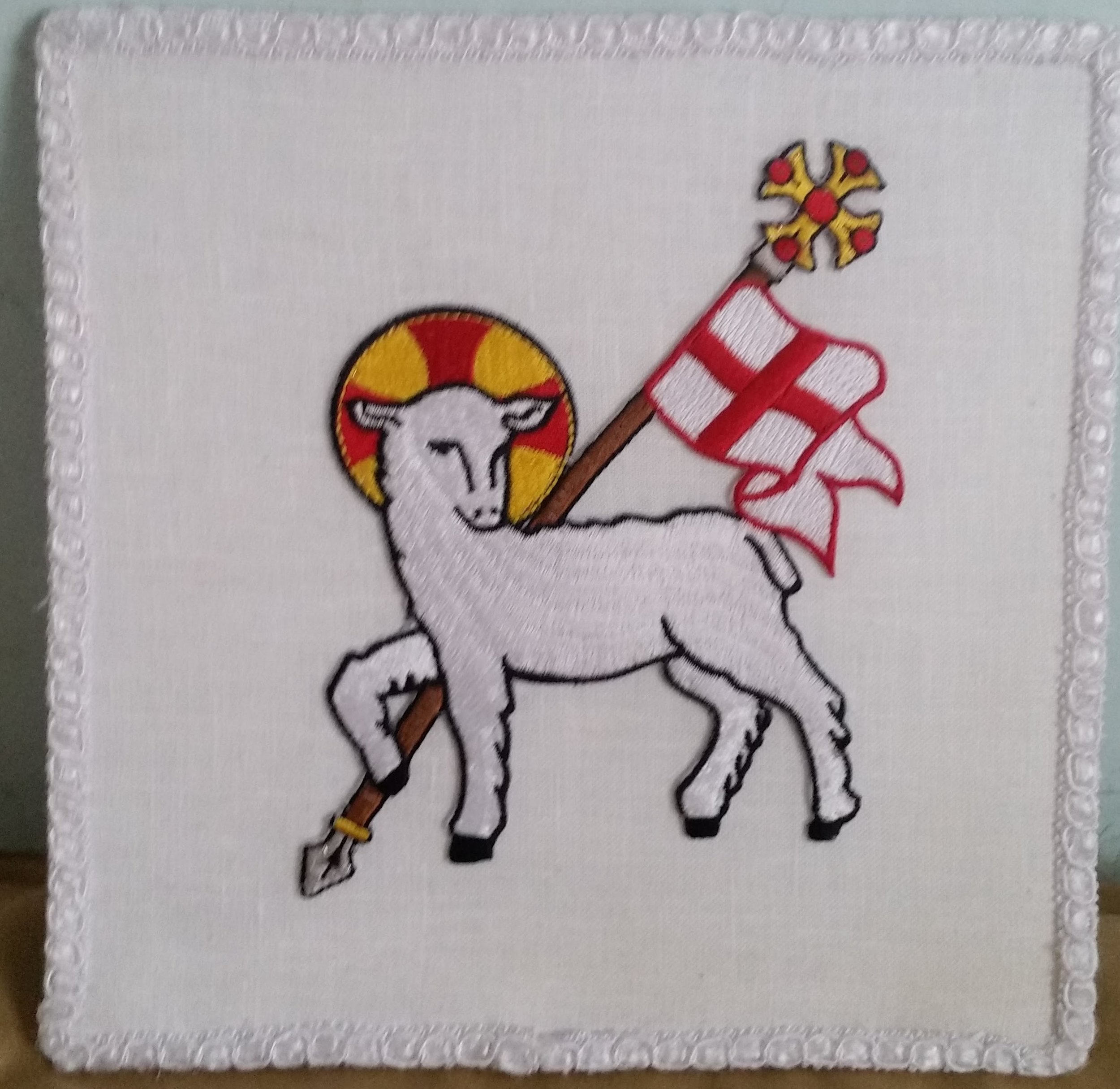 Lamb of God applique on handmade100% linen chalice pall