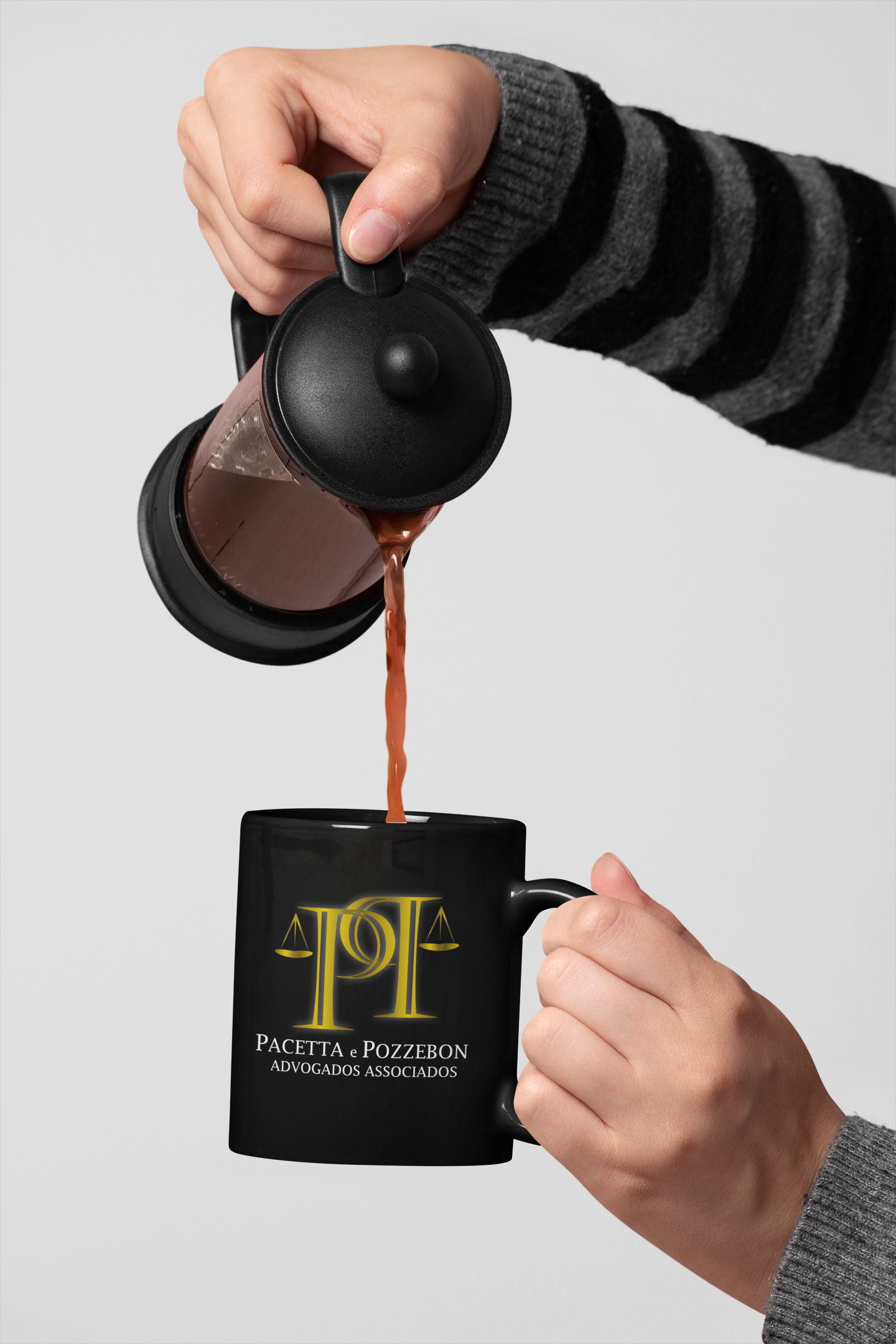 11-oz-mug-mockup-of-a-hand-pouring-coffee-from-a-french-press-27314.png