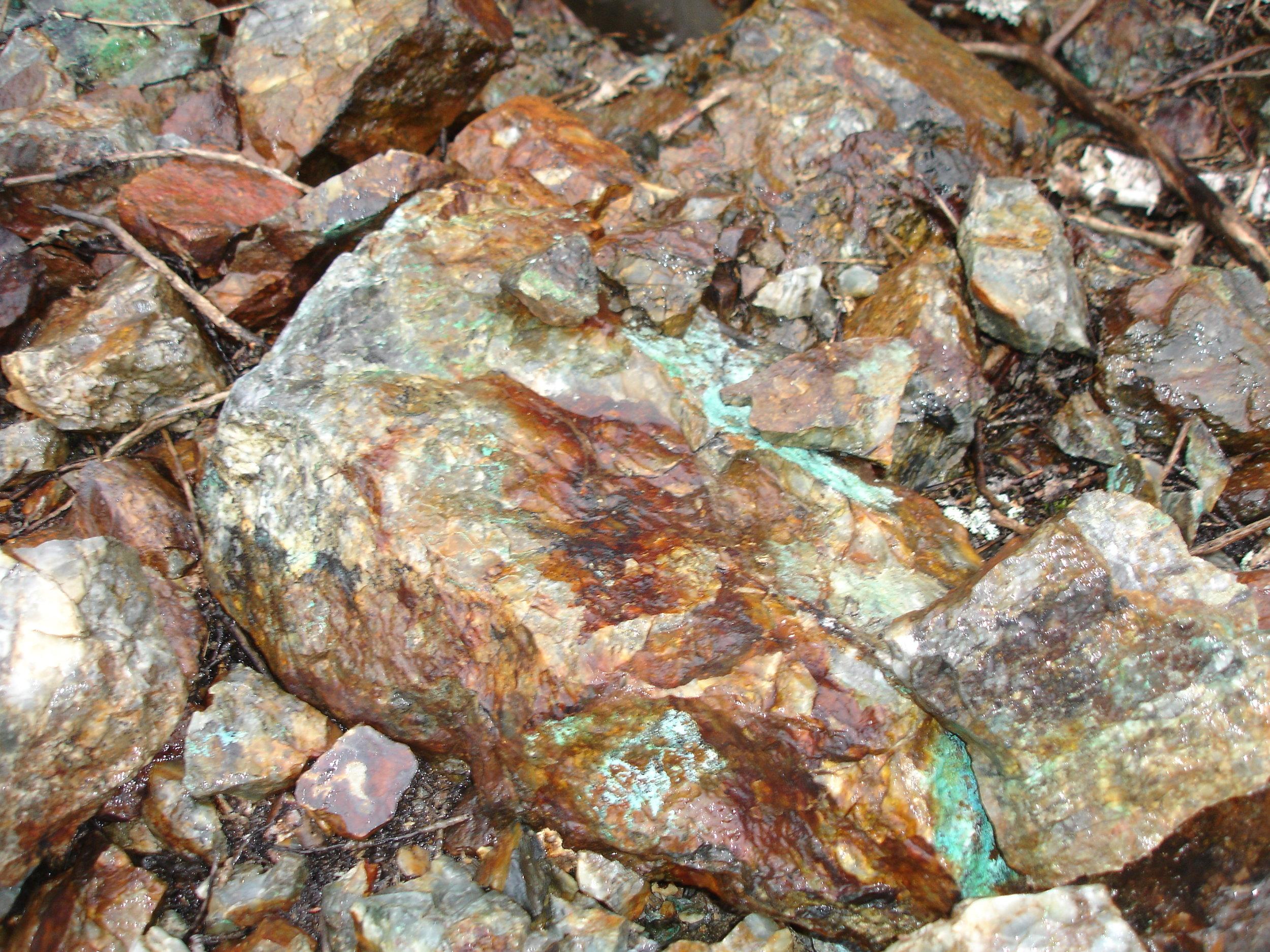 close up of copper hill sample.JPG