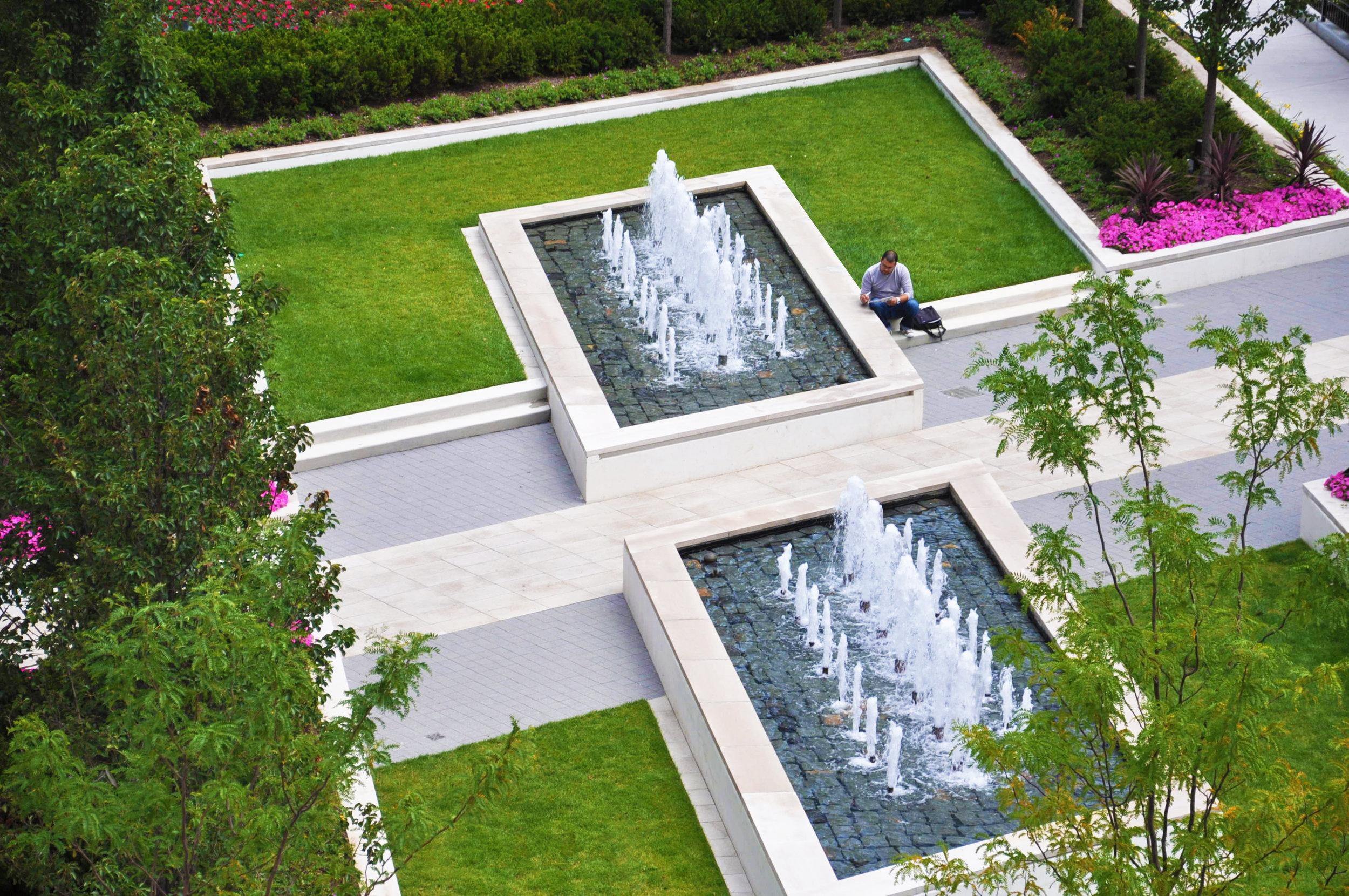 Hubbard Place Plaza