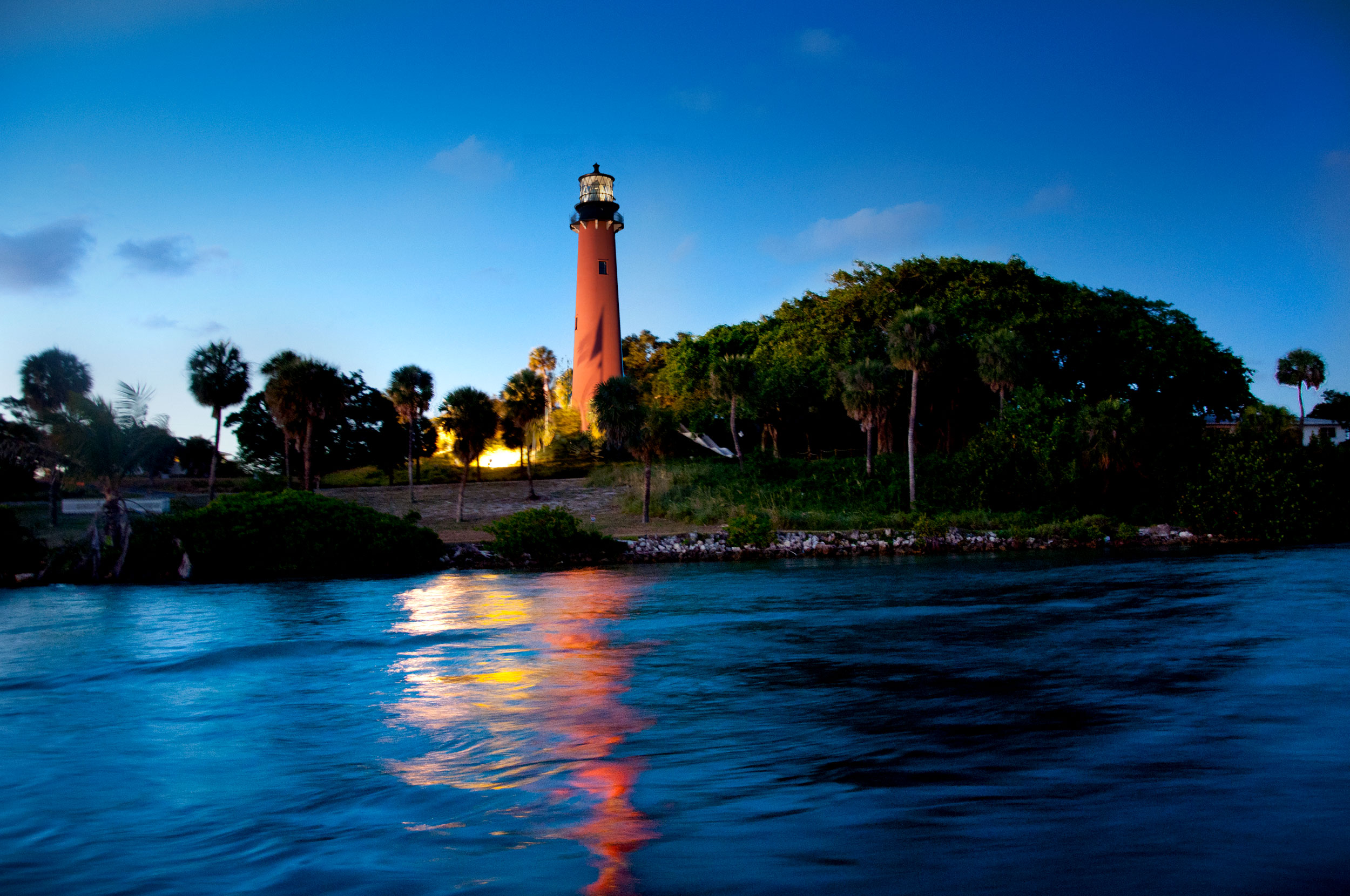 Jupiter Inlet Lighthouse & Museum - Learn about the diverse history of our area through series of interactive exhibits chronicling the lives of Native Americans, early pioneers, Lighthouse keepers and more. Nature lovers should not miss the Jupiter Inlet Lighthouse Outstanding Natural Area, which features 120 acres of rich Florida wilderness. Jupiter Inlet Lighthouse & Museum Website