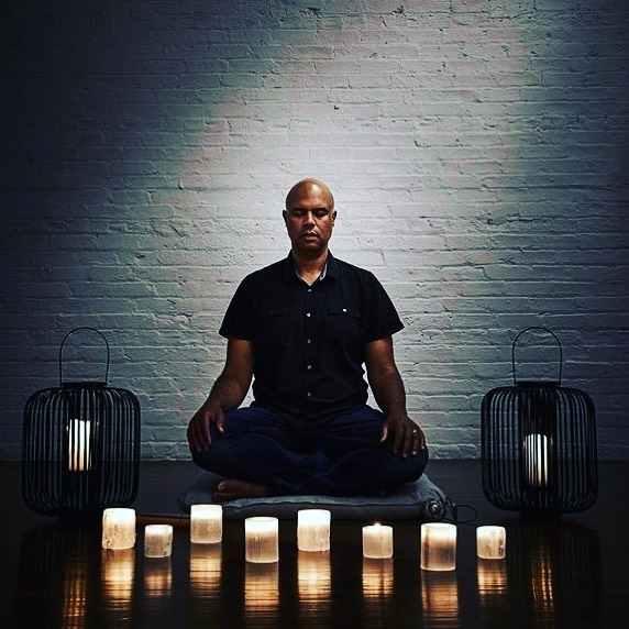 """Meditation puts us in a powerful relationship with our thinking."" @darrelljonesspirit  Day 4 Of @mindbodyspiritsquad summit starts with Rev. Darrell Jones discussing the science and philosophy behind meditation, why it's important to start a meditation practice, and practical ways to apply meditative principles to our lives, daily! 🧘‍♀️🧘🏻‍♂️He dispels some common misconceptions with meditation... making it easy, practical, and completely independent of religious beliefs. 🌟Grab a ticket using the link in our bio!  More about Reverend Darrell Jones.... 🌟🦋🌟 Reverend Darrell has been working with individuals and groups to support their spiritual growth since 2008.  In 2015 he launched an online ministry named Soul Gym to support the virtual world with the exercises of meditation, prayer and study.  Most recently as Co-Head of Teaching Training and General Manager, Darrell helped launch a new wellness studio in Chicago named Chill Meditation + Massage in April 2017. Regardless if he is working in the spiritual or secular domain, Darrell's purpose and mission is to support anyone in the practice of meditation as a tool to live in better relationship with the stresses of their lives.  #meditation @chill_out_chi #stressrelief #soulgym #powerfulallie"