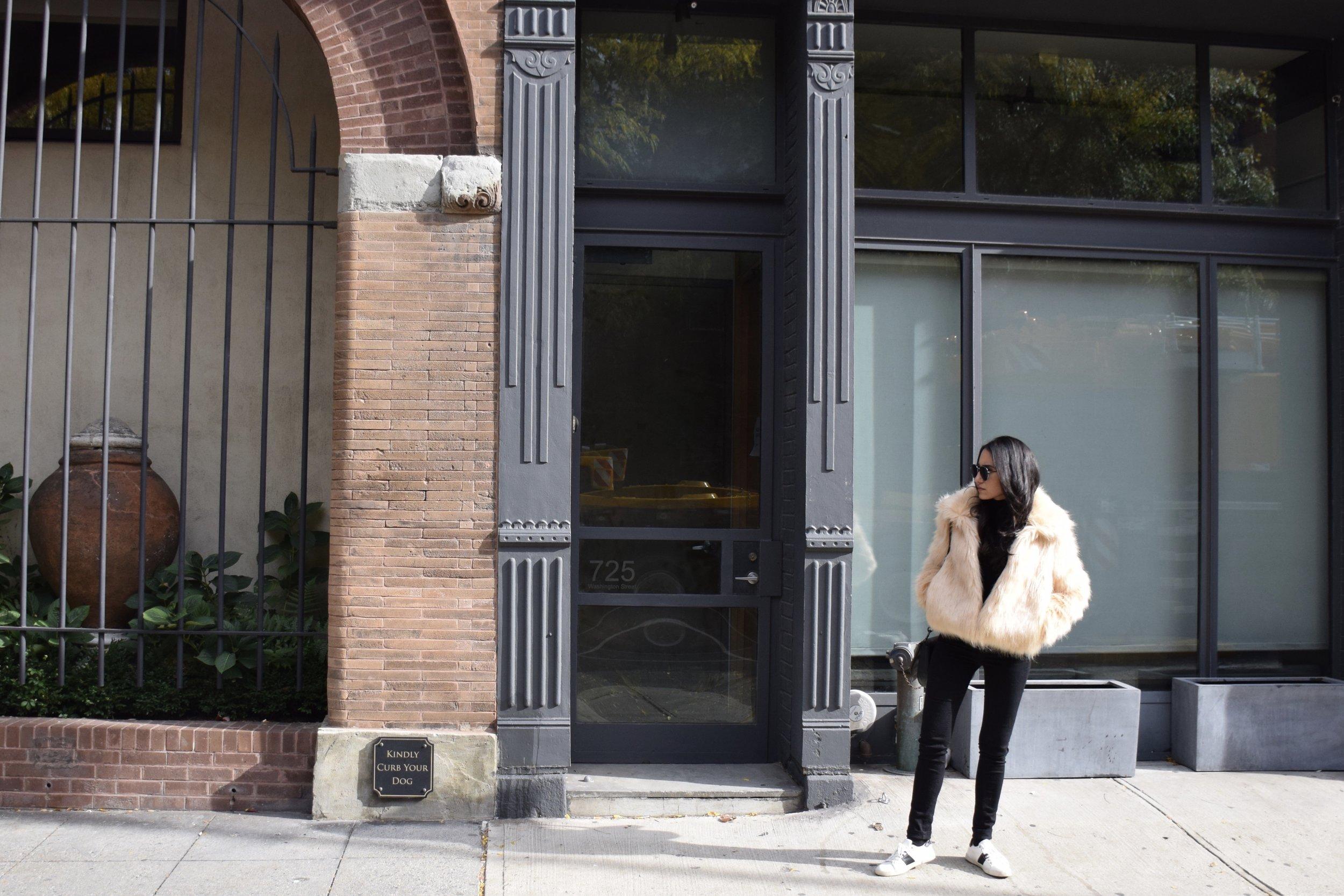 Wearing : F21   c    oat  | Marc Jacobs   b  ag  | Rag & Bone   j    eans
