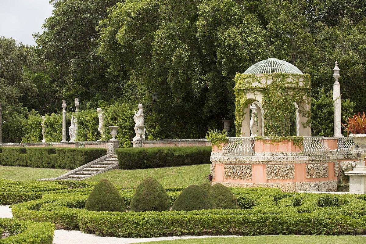 city_intelligent_women_vizcaya-museum-gardens_credit_courtes.jpg