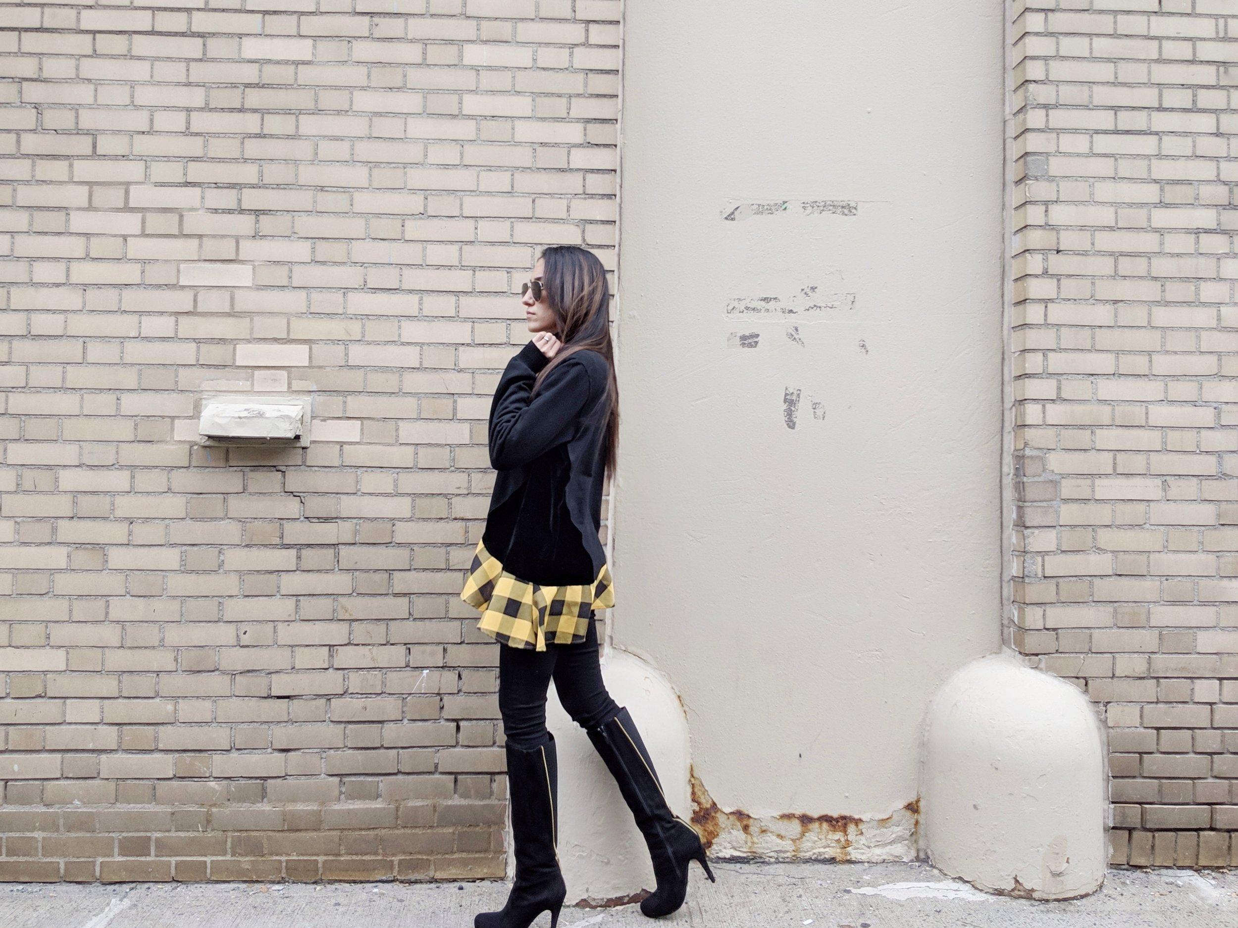 Wearing:  Clu  Sweatshirt  | Frame  Jeans  | Steve Madden  Boots