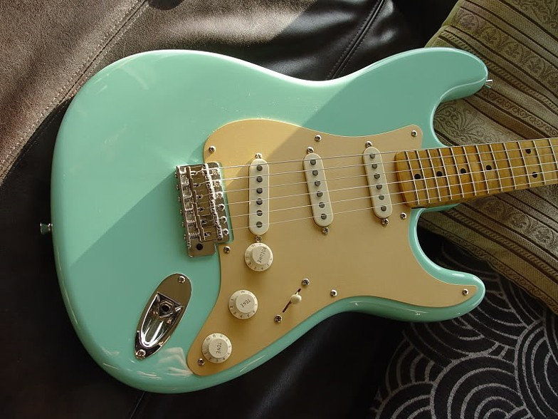 1959 STRATOCASTER REPLICA CUSTOM BUILD IN SURF GREEN