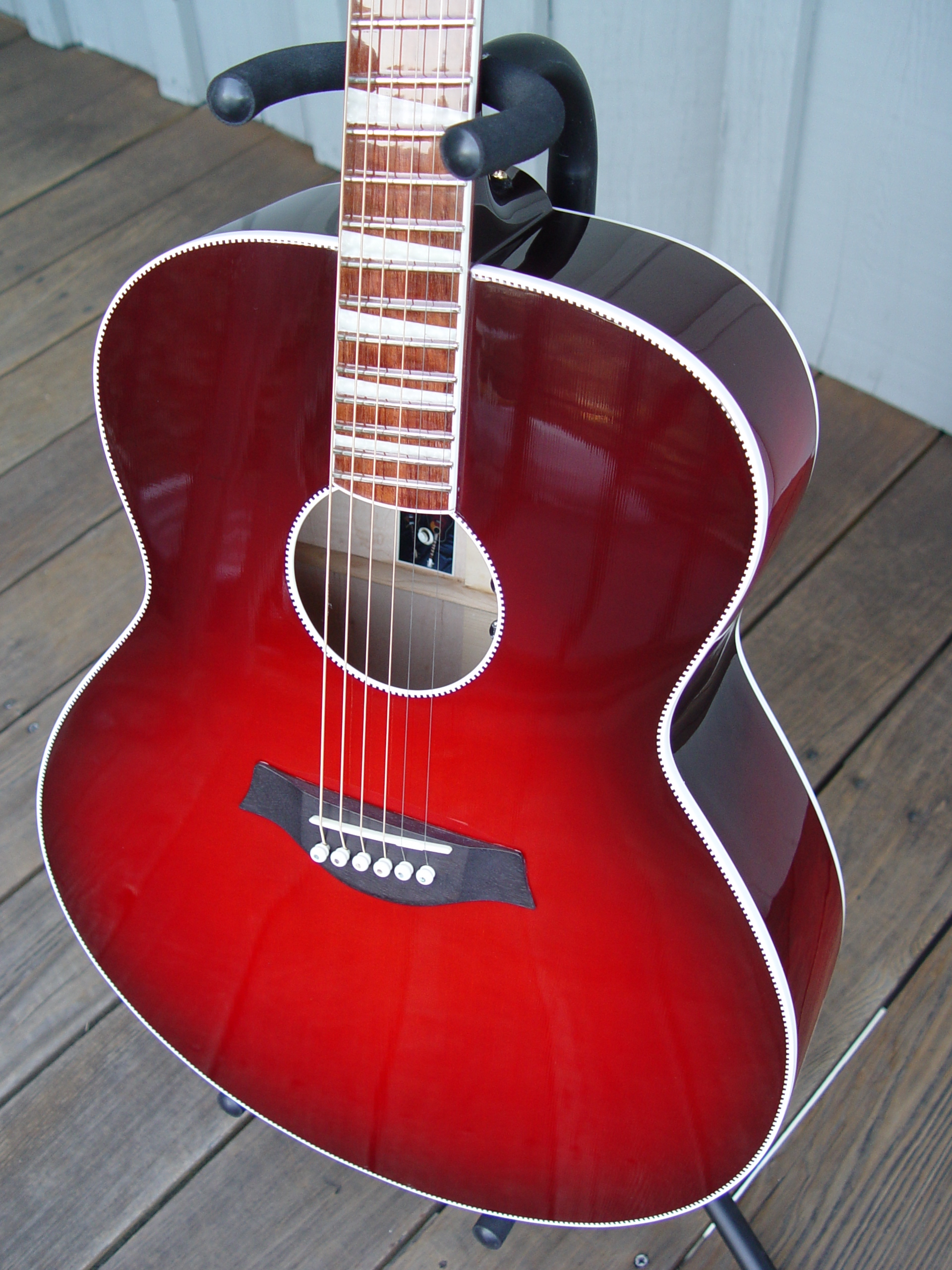 700C/6 SLANT FRET JUMBO ACOUSTIC IN WINEBURST