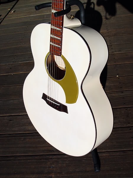 700 COMSTOCK JUMBO 6-STRING IN MARY KAYE WHITE