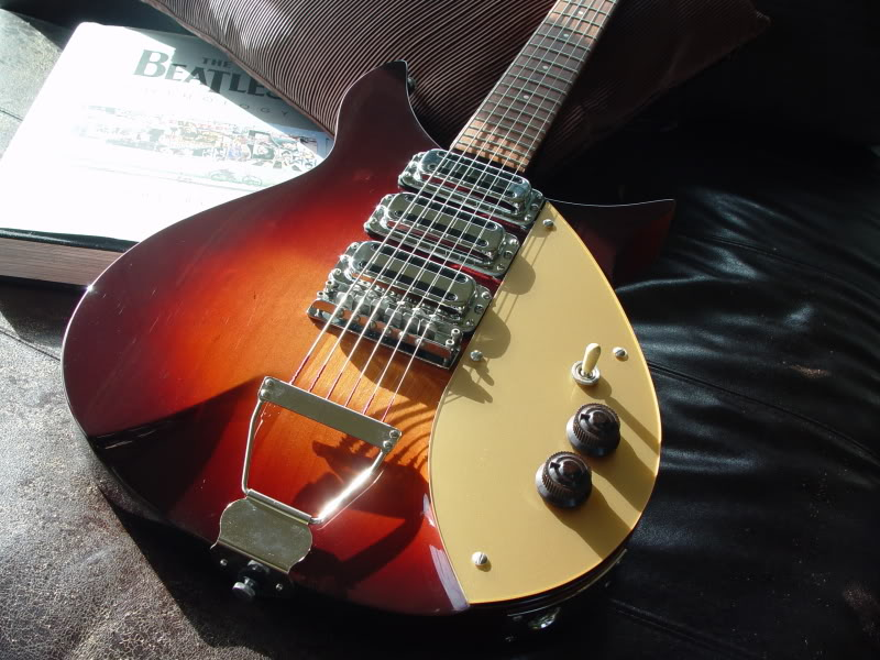 "NOTE TRAPEZE TAILPIECE, IVORY SELECTOR SWITCH TIP, ""SATELLITE"" KNOBS"