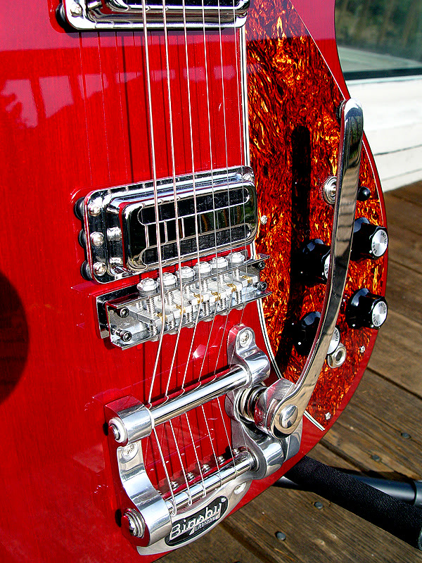 CLOSEUP SHOWING BIGSBY AND BRIDGE DETAIL