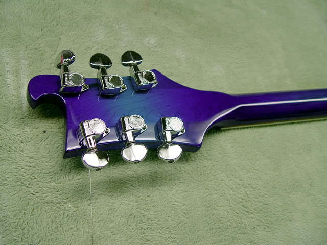 BACK OF HEADSTOCK SHOWING STOCK GROVER TUNERS